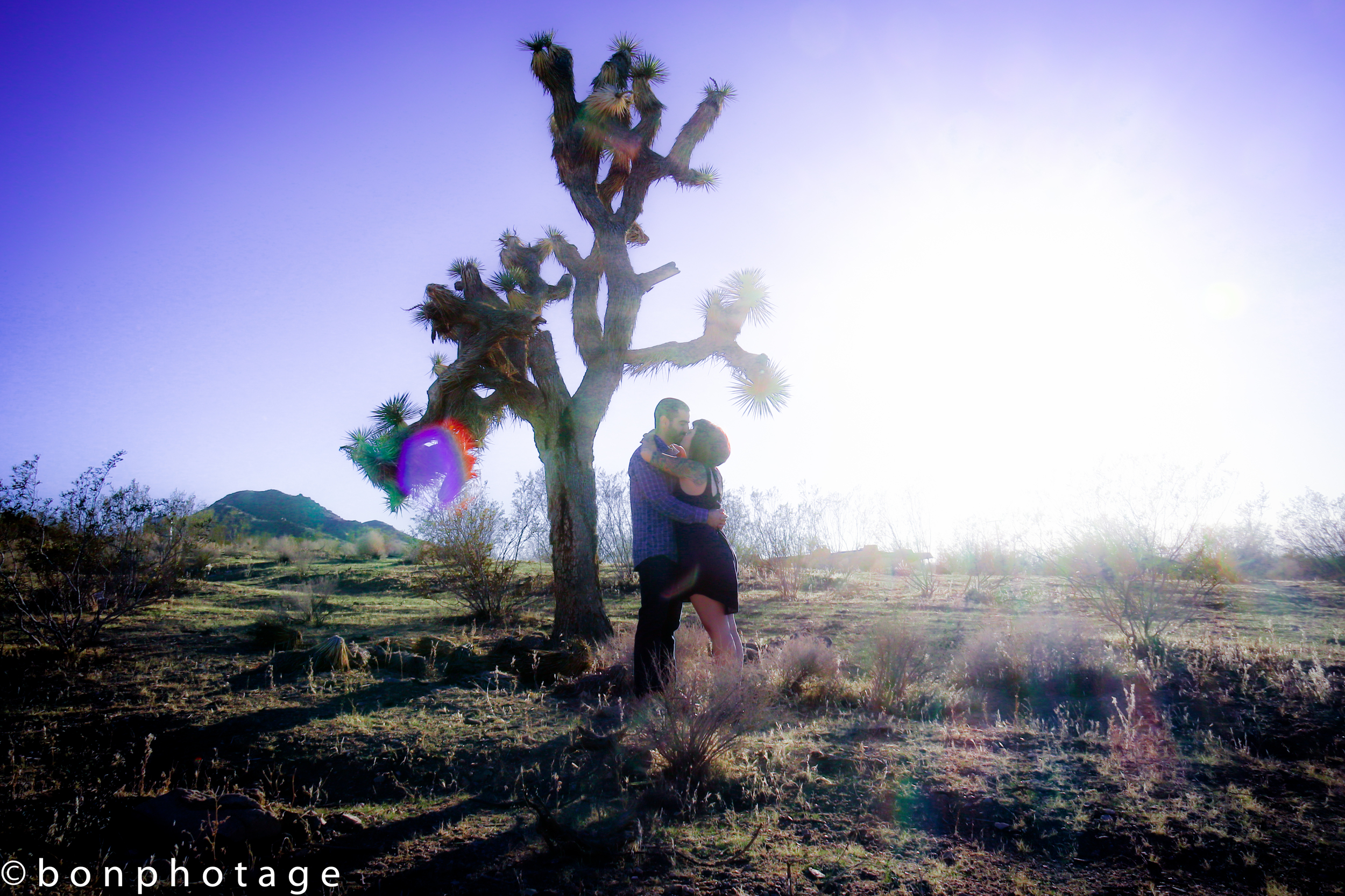 Desert vintage engagement photography by Bonphotage