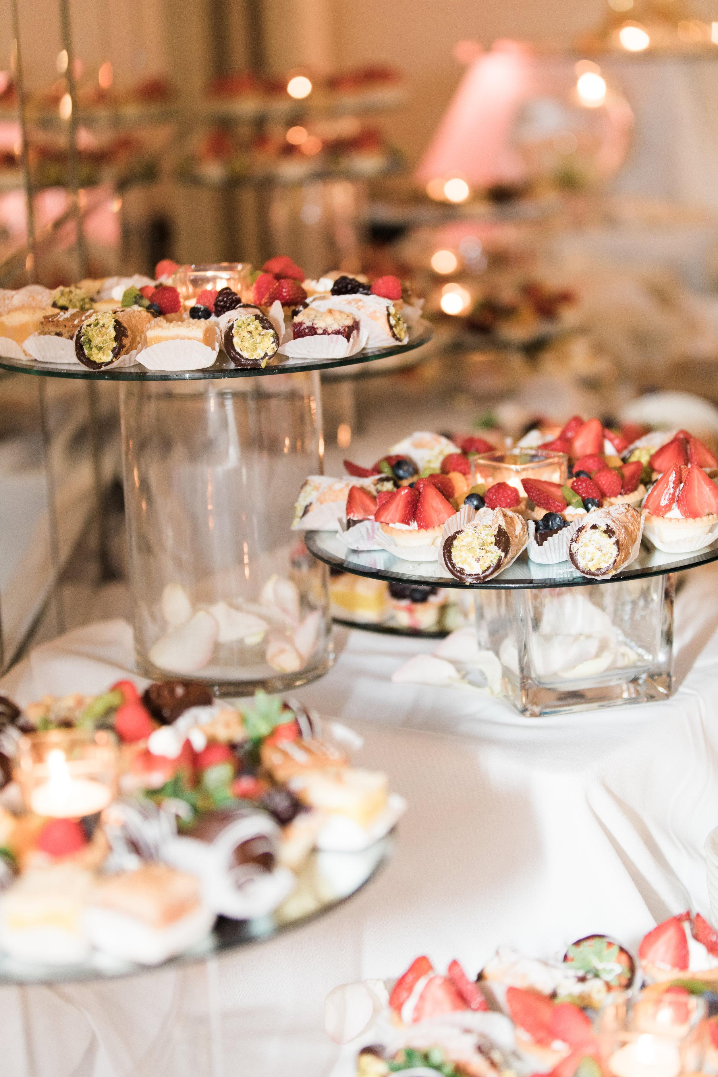 Chicago Fine Art Wedding Photography - Carlisle Banquet