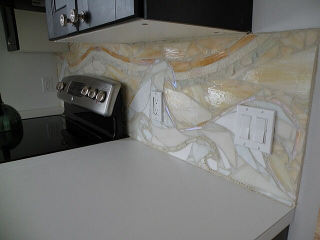 Check out the waves rolling through artist Mary Tantillo's kitchen!