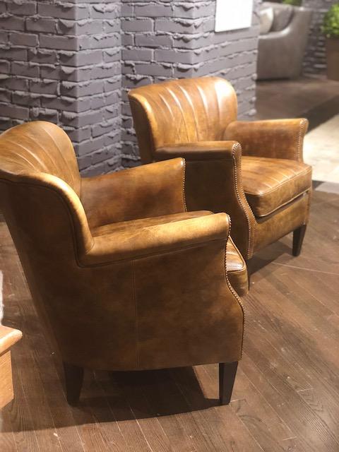 leather-chair-beautiful-high-point-market-stephanie-kraus-mainline-pa.jpg