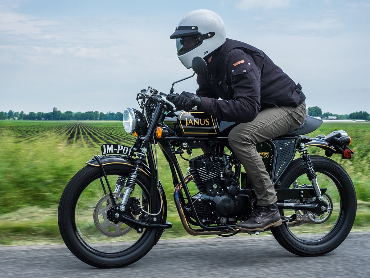 Janus_Motorcycles_Action-5-2.jpg