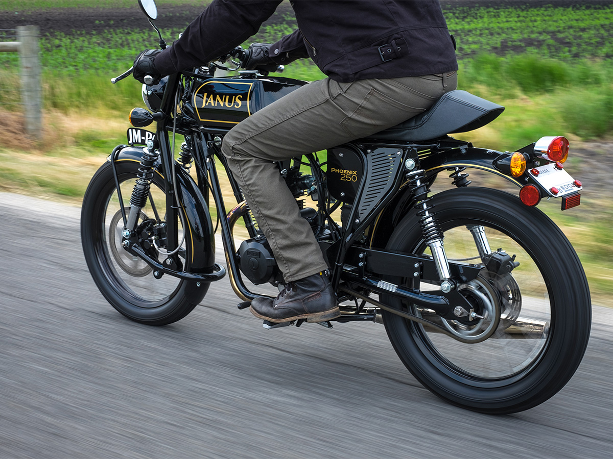 Janus_Motorcycles_Action-2-3.jpg