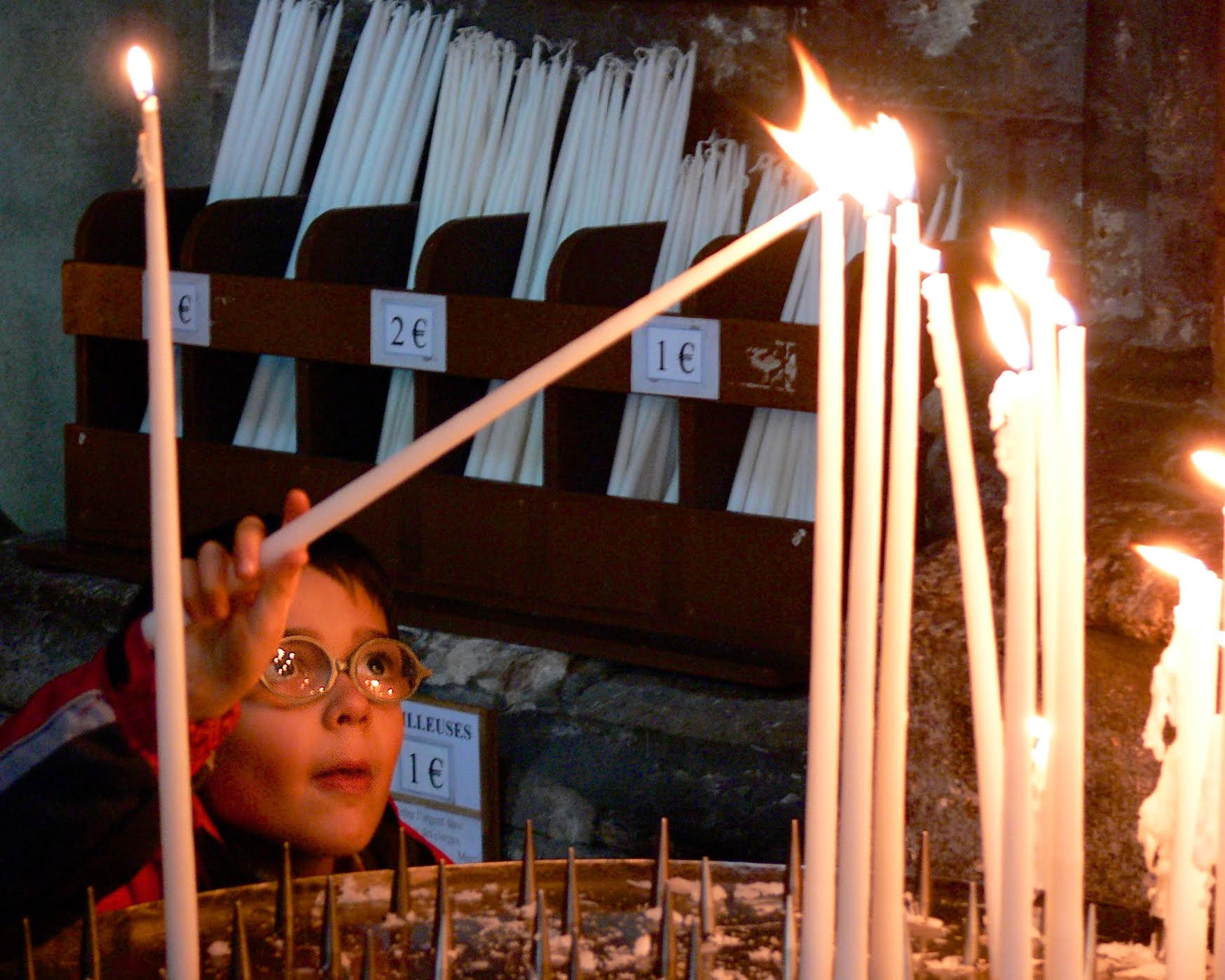 Candle lighting Child - BZ.jpg