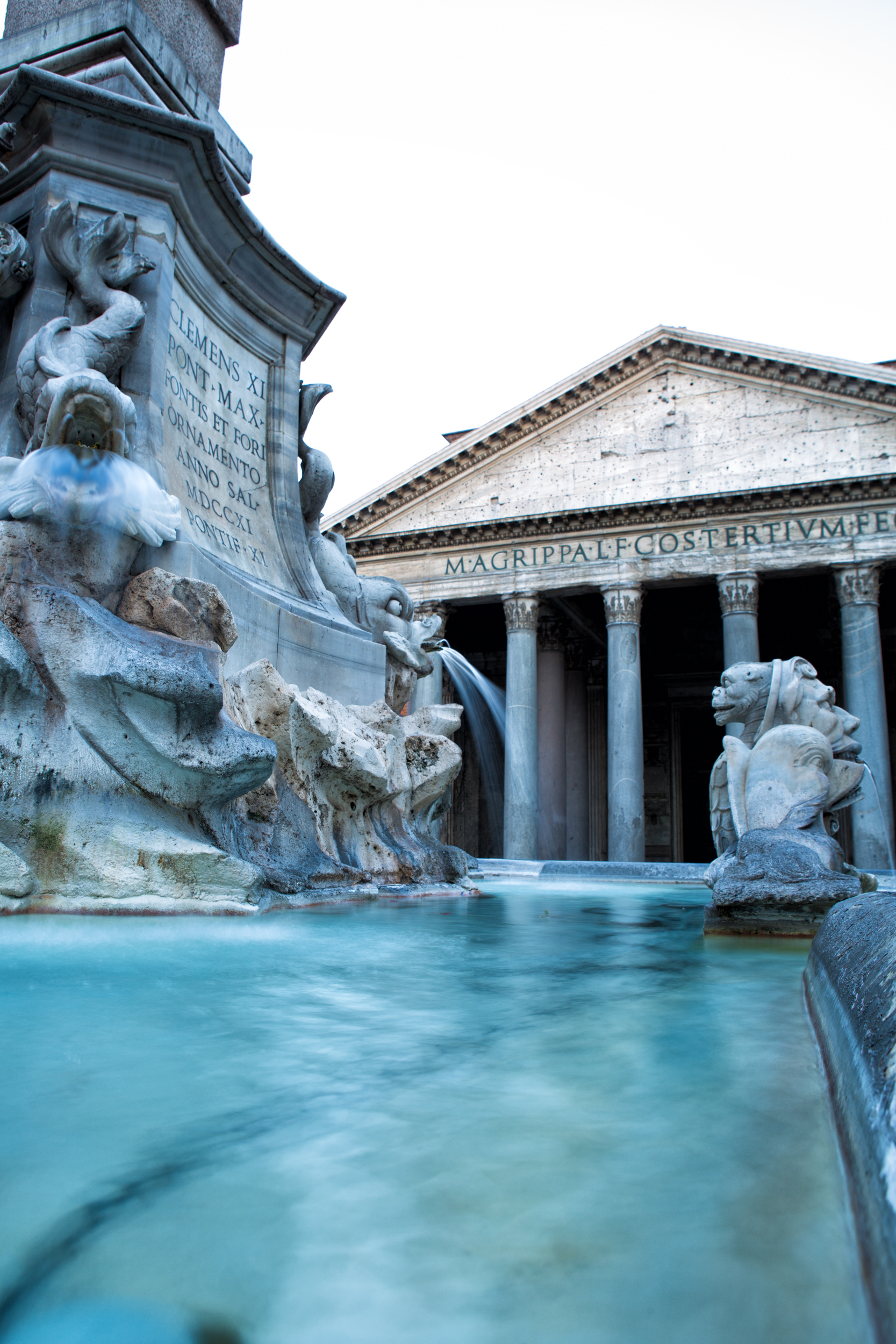 rome-italy-pantheon-fountain-water-tippy-dray-travel-photography-summer-sun