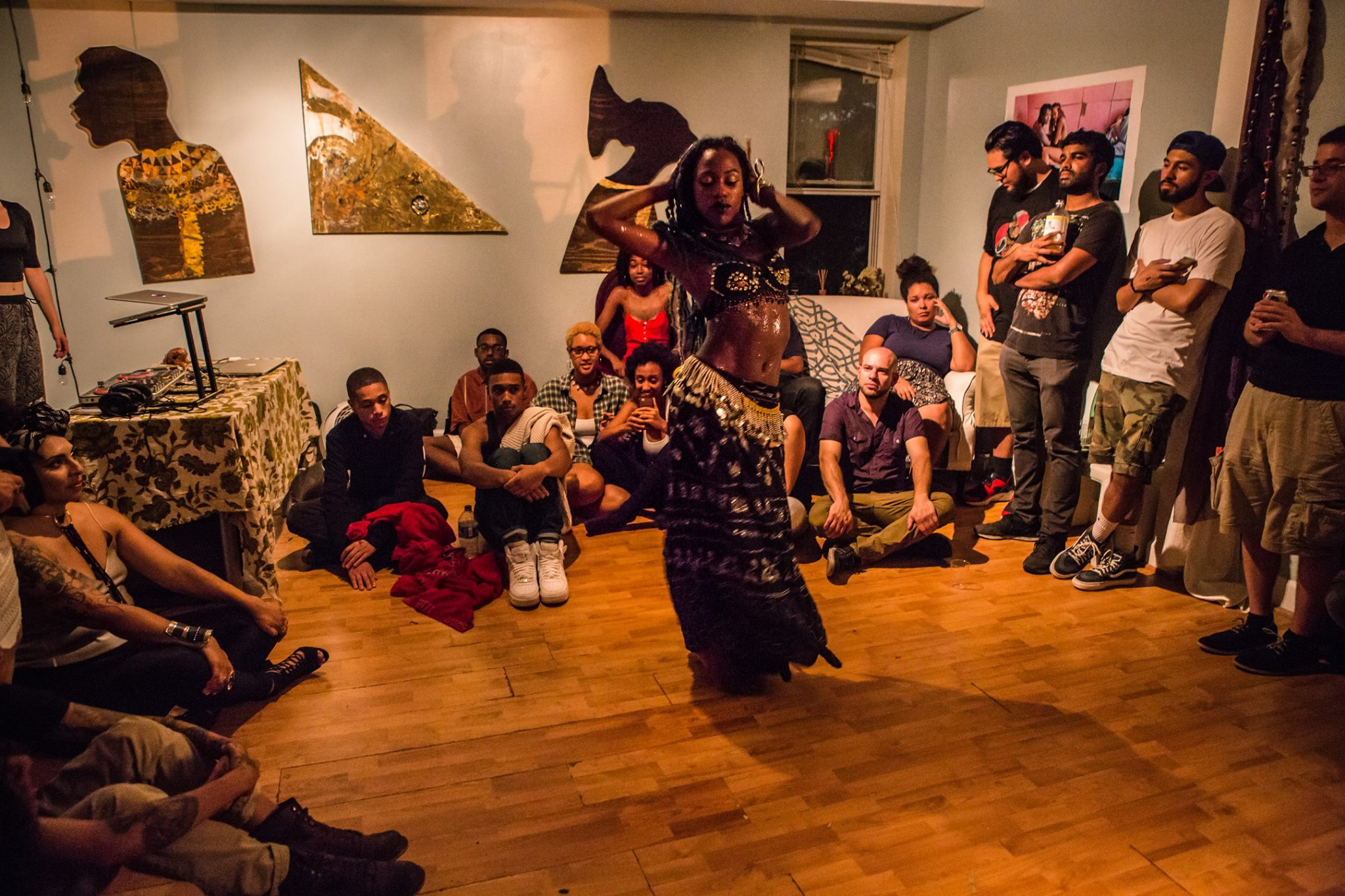 @queennefertittie, photo by @tonyhitchcock