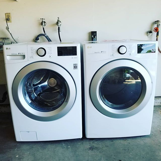 Me very 1st washer dryer! Happiest day of my life! 🙌🤗 #thisisaluxury #gamechangers