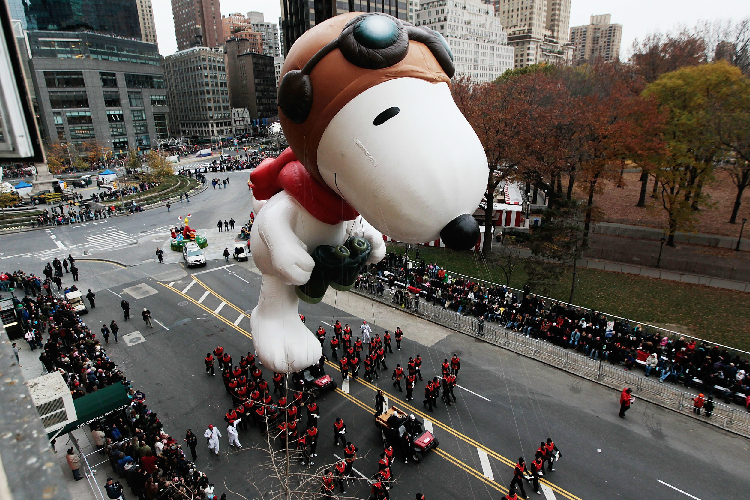 """WHY """"HELLO"""" SNOOPY! Photo courtesy of  Macy's Thanksgiving Snoopy Wiki"""