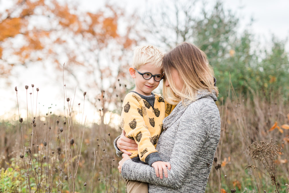 mommy and me | mom and son | lifestyle photography | fall family photography | laurenda marie photography