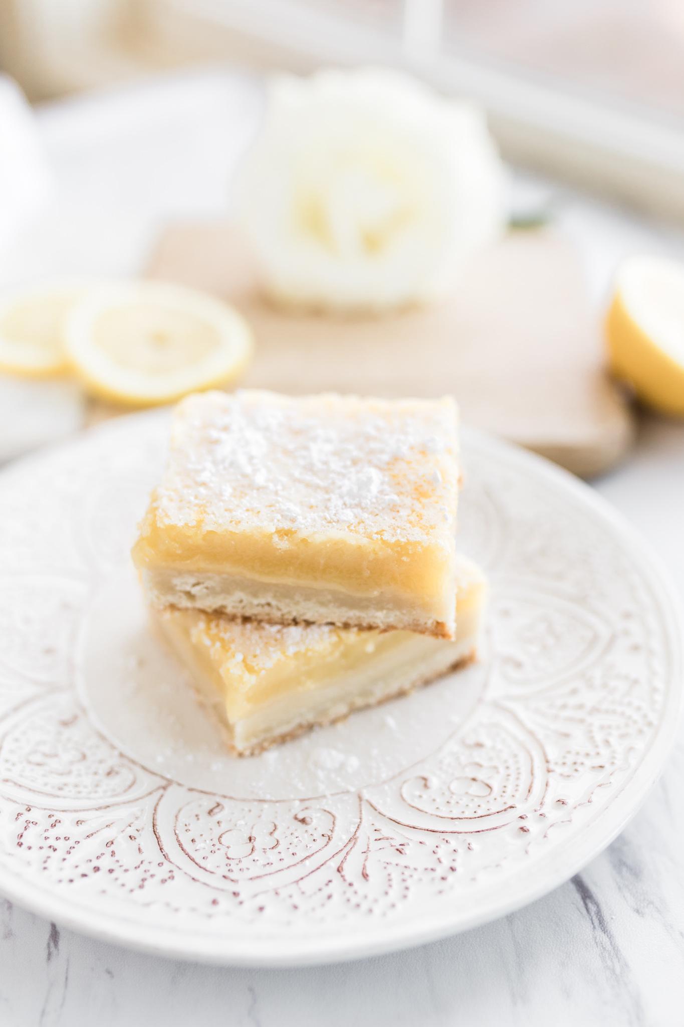 Easy homemade lemon bar recipe