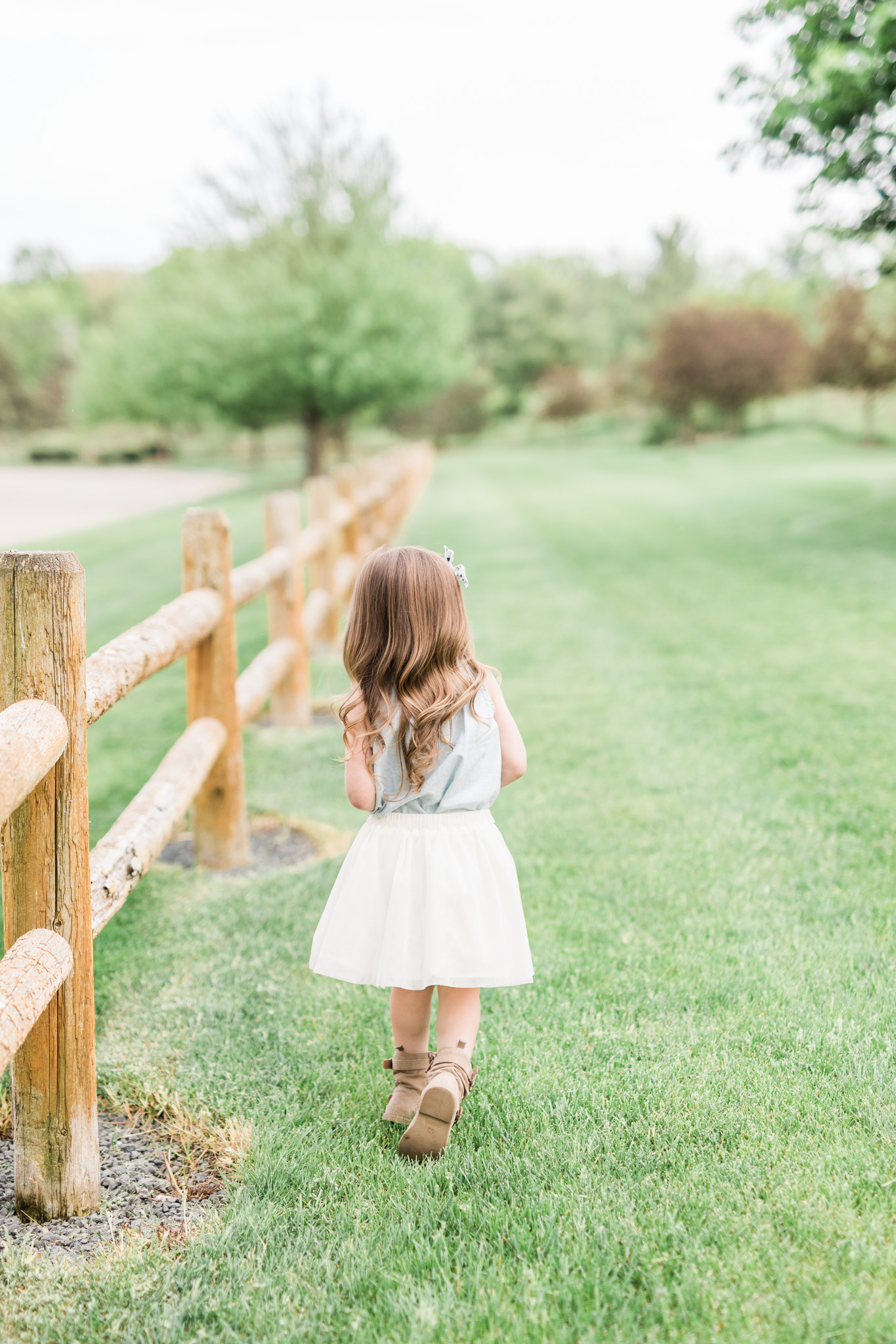3 Year old girl | what to wear | country rustic | model | laurenda marie photography