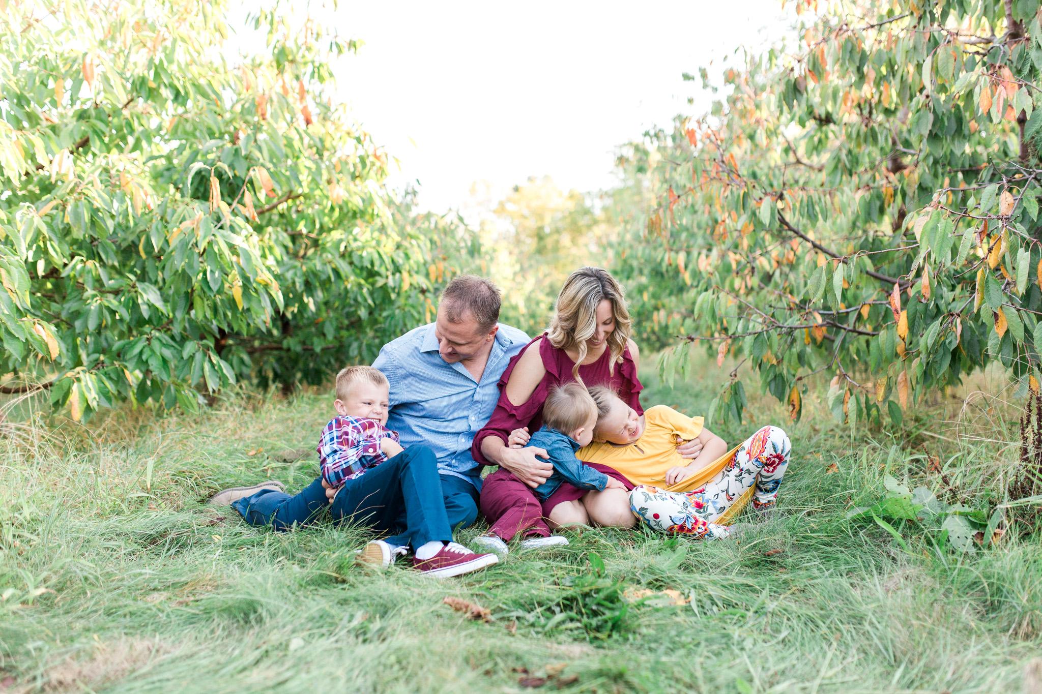 Fall Family Photos   Apple Orchard   Grand Rapids, Michigan