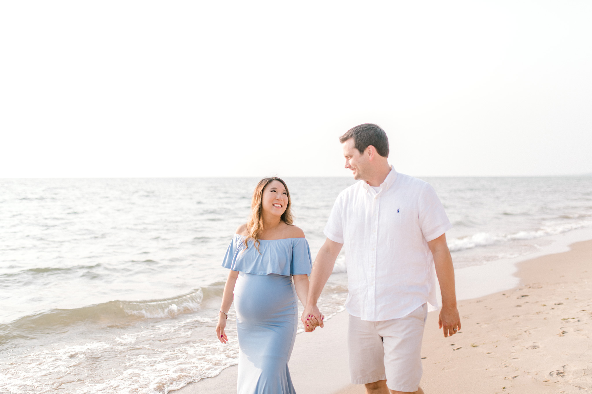 Maternity on the beach | Lake Michigan Family Session | Laurenda Marie Photography