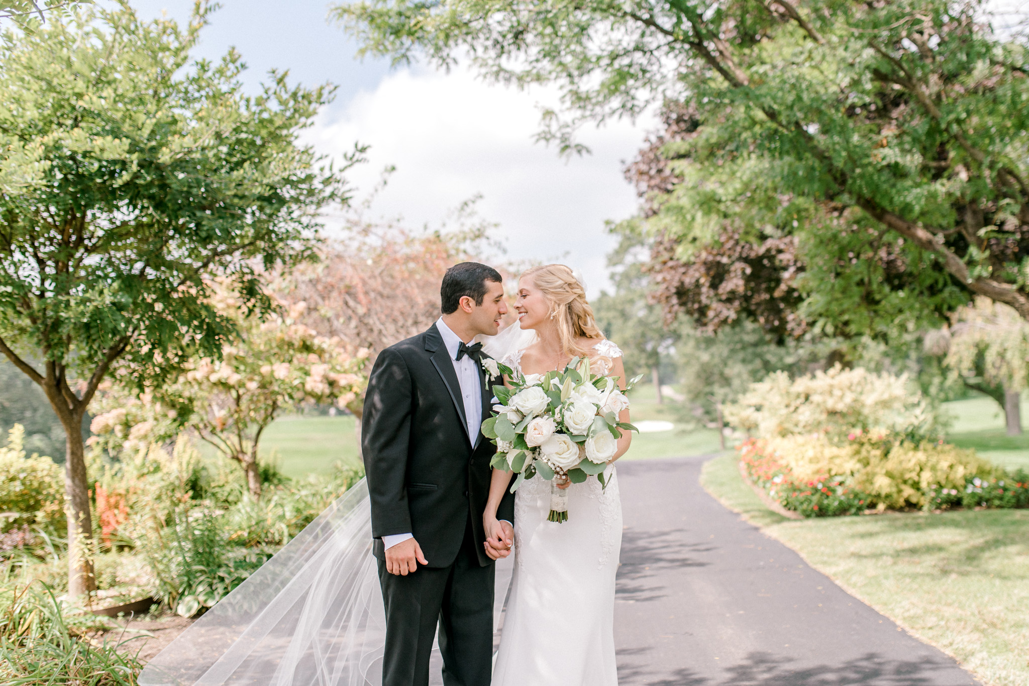 Stunning Country Club Wedding in Kalamazoo Michigan | West Michigan Wedding Photography | Classic Black and White Wedding