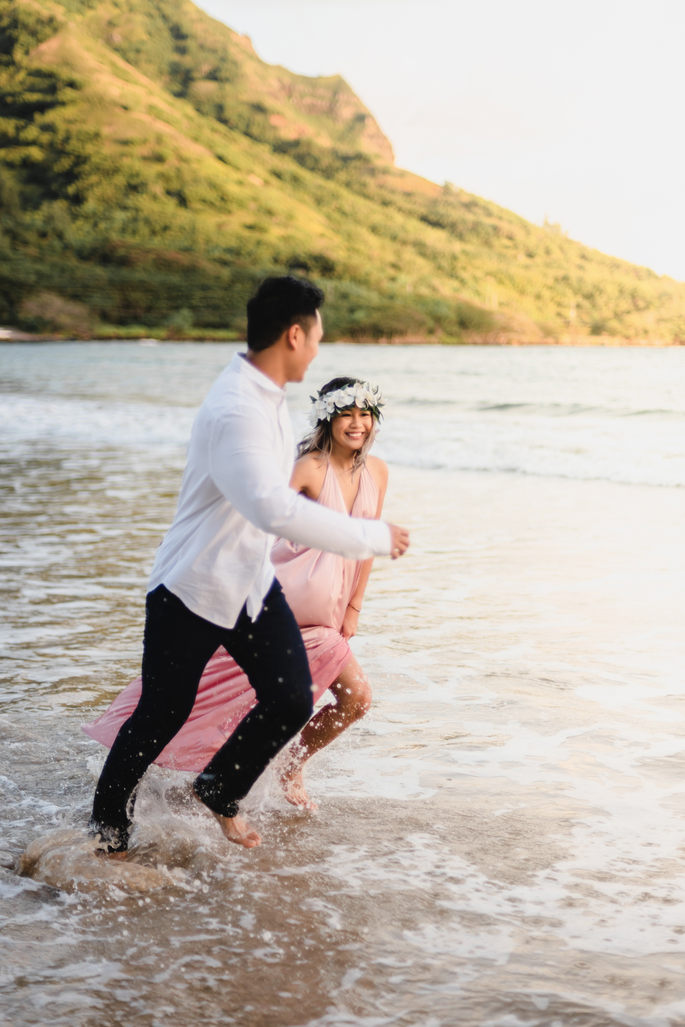 kahana bay engagement | oahu lifestyle photographer