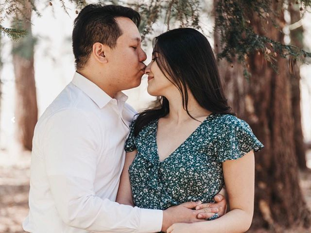 the moments between the moments... . . . . . .  #aperture #photography #aperturephotography #engagementportraits #engamement #ohio #bexley #spring #jeffreymansionbexley #bride #groom #wedding #columbus #ohio #ohiowedding #affobpresets