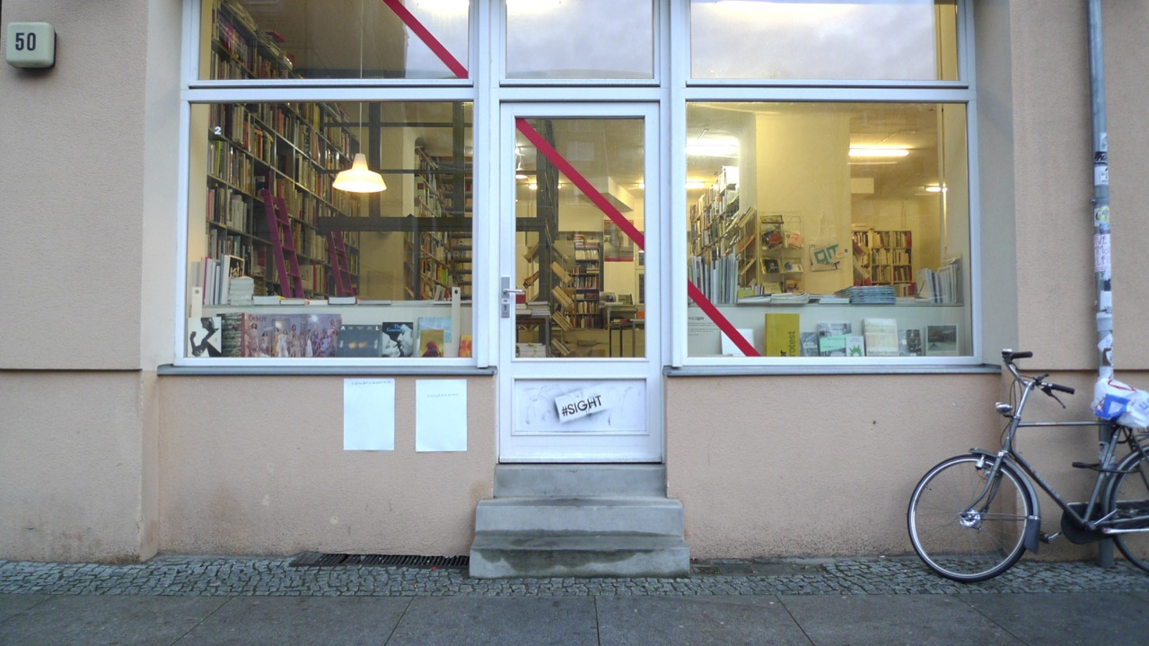 25_Writing_on_WHITE_Bookhandlung_Pro qm_Almstadtstraße_4_Low_res.jpg