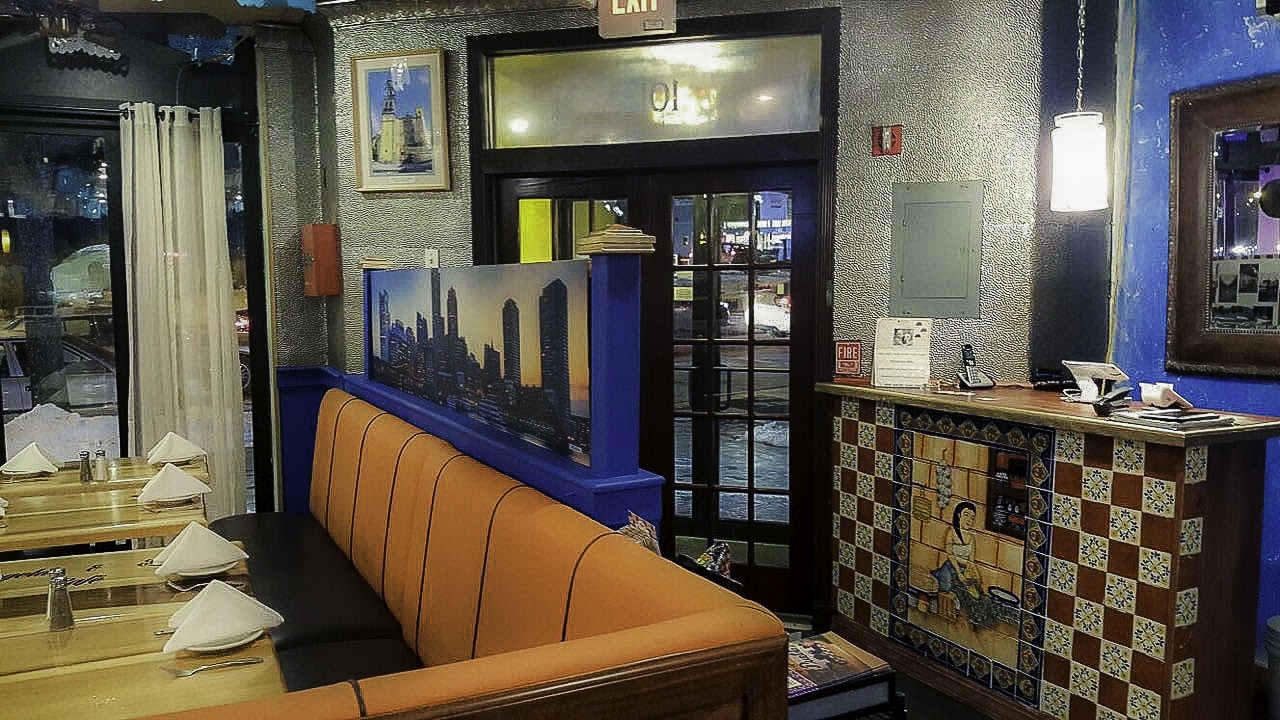 angelas-cafe-orient-heights-entrance