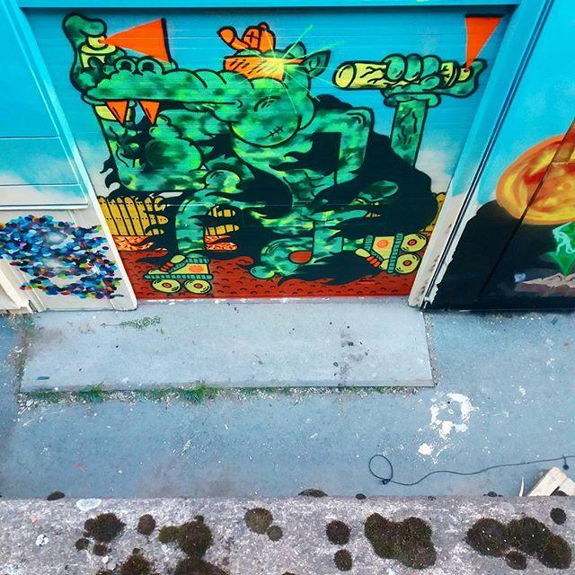 Stay Ice kävi edustamassa G-Rexiä Tampereen hietalahden SprayCanKontrollissa 🔥💣🔥 Pe & La alkaa seinien valmitujaisjuhlat live musiikin ja aerosolin tahdittamana! Käykää toteamassa ja kokemassa #HipHopSuomi100 ❤ . . . #stayice #spraycankontrol #spraycankontrol2017 #ironlak #character #spraycanart #suomi100 #visittampere #grexhel #frozenhelsinki #hiphop