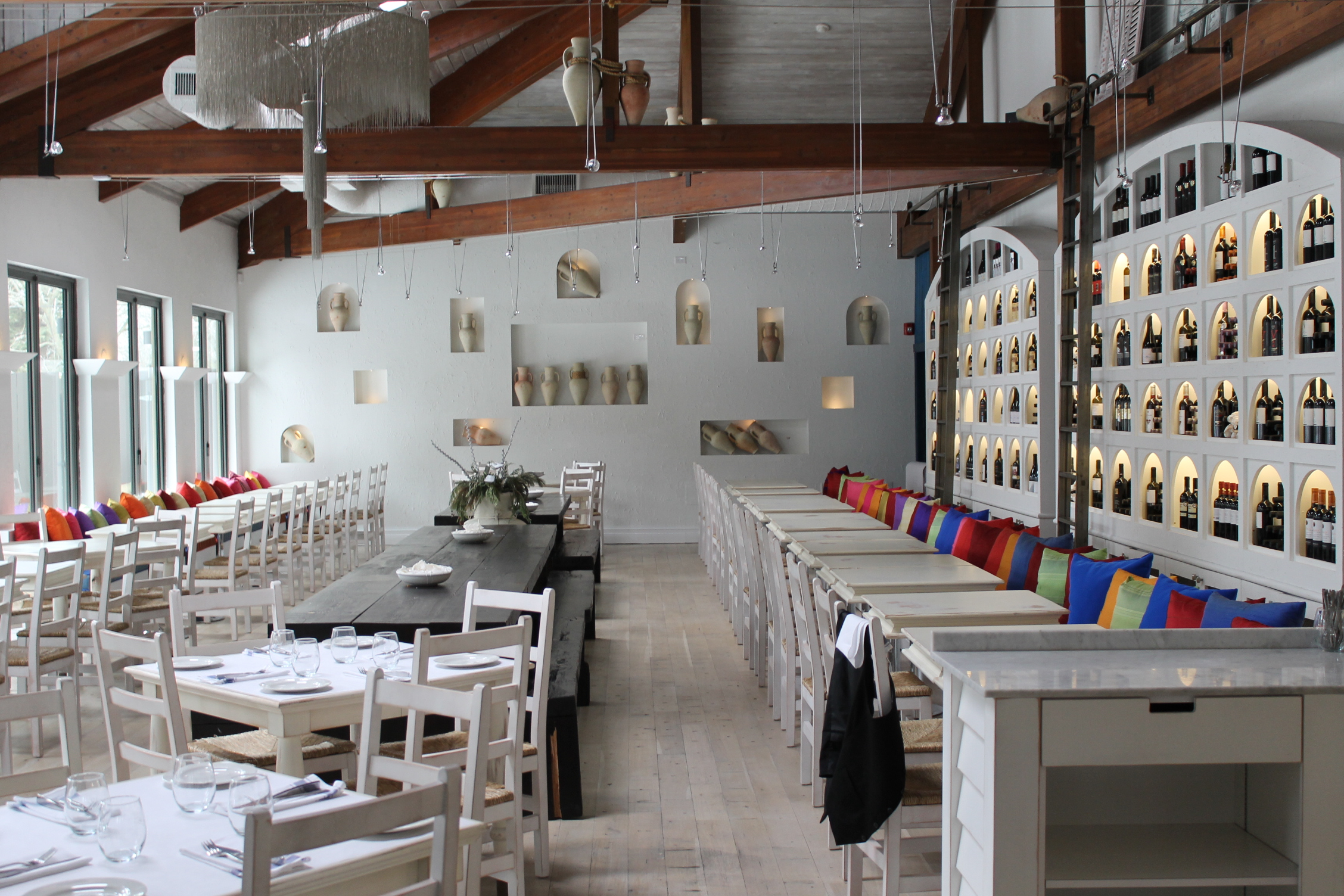 Picture of large interior of restaurant
