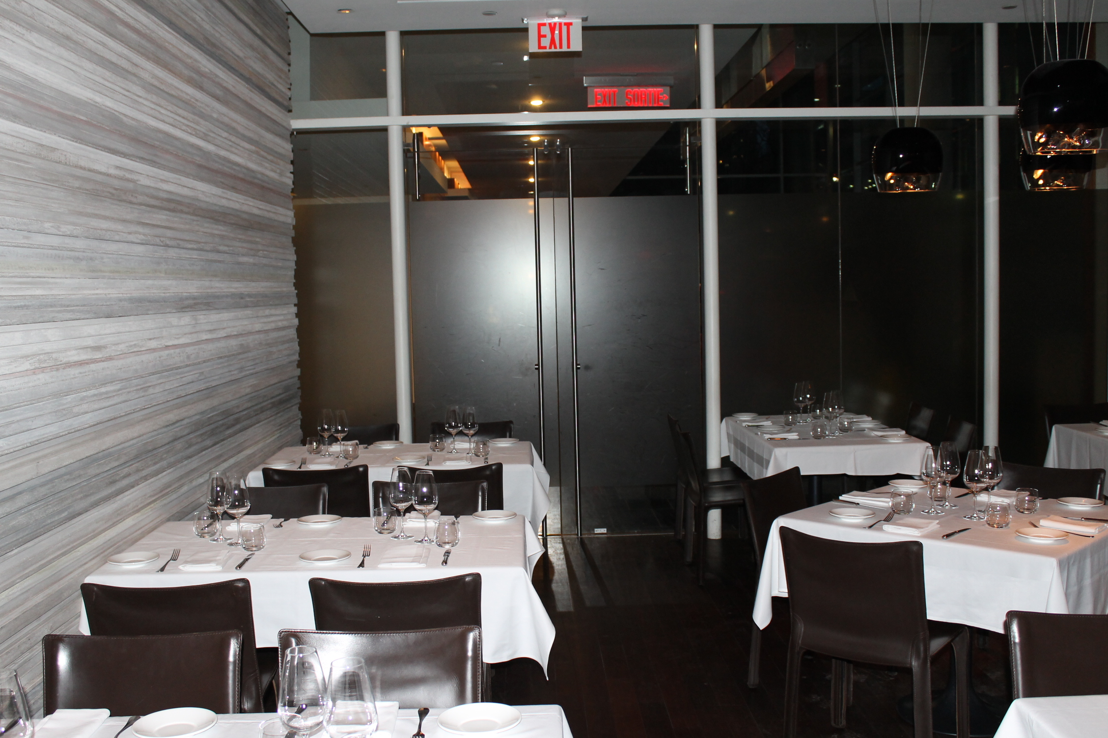 Image of accessible interior of restaurant.