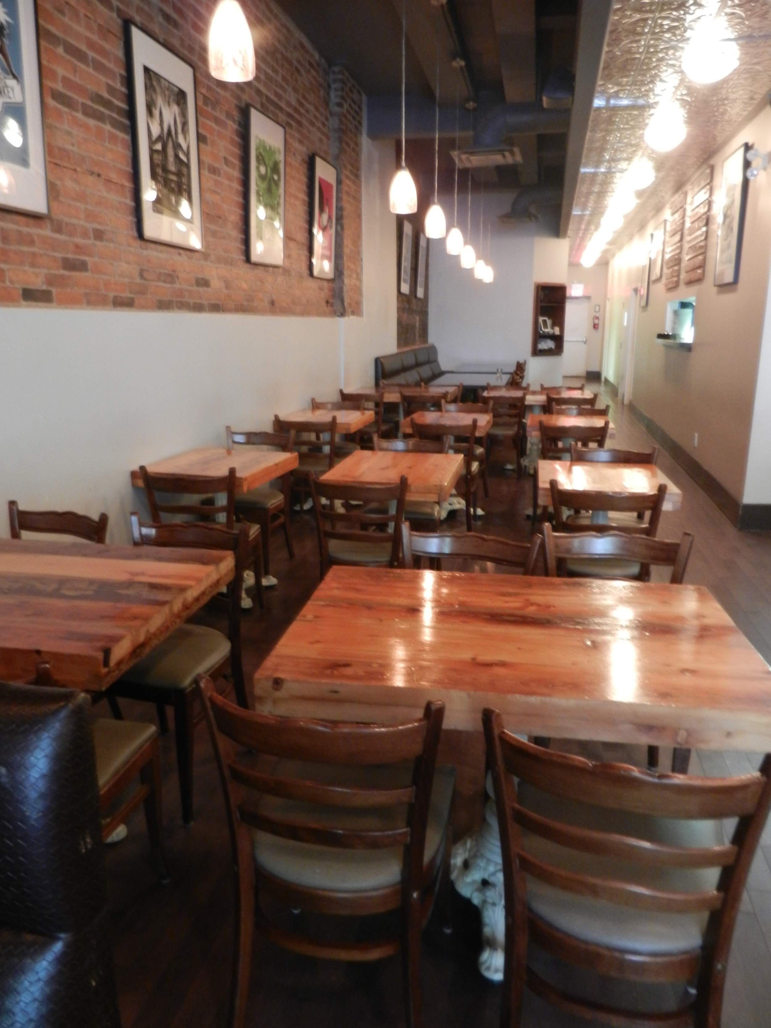 Picture of the accessible seating in the restaurant.