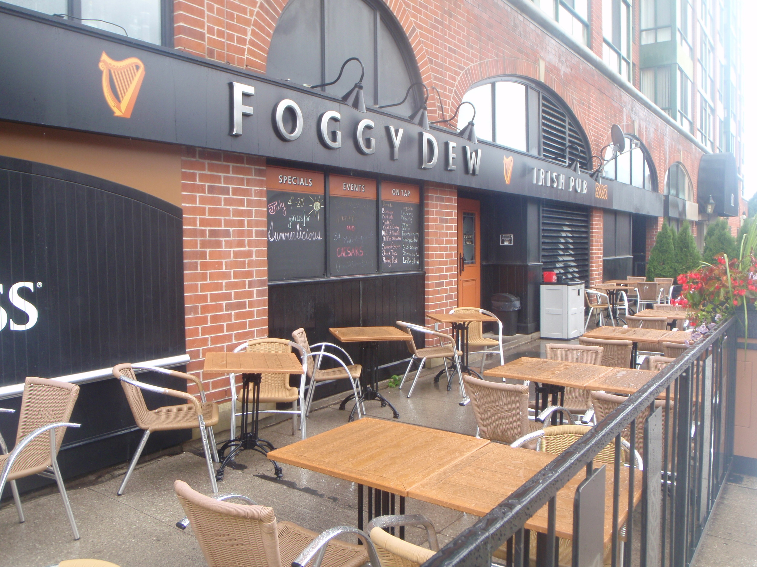 Picture of accessible patio of Foggy Dew