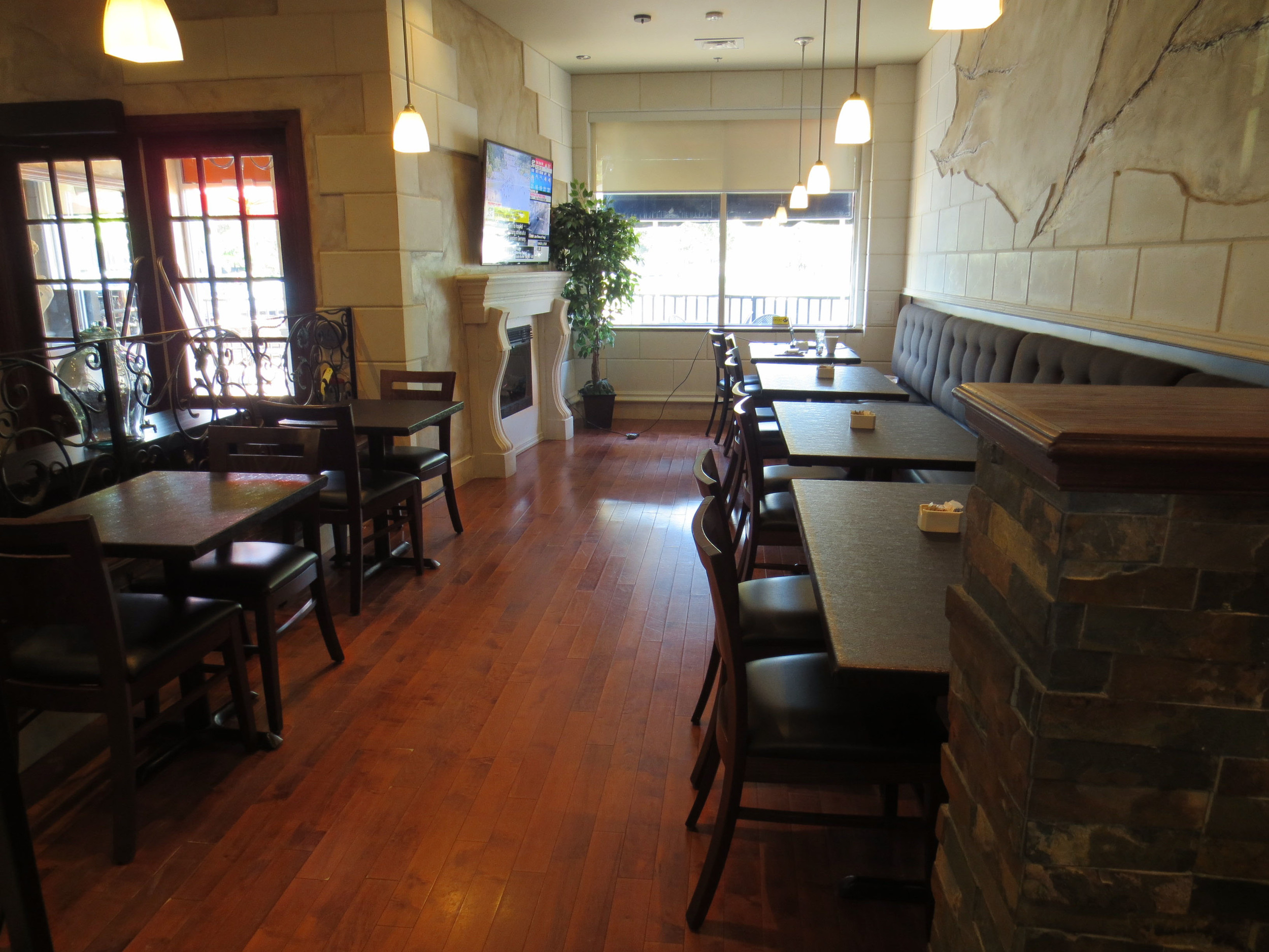Picture of front dining area with a wide pathway