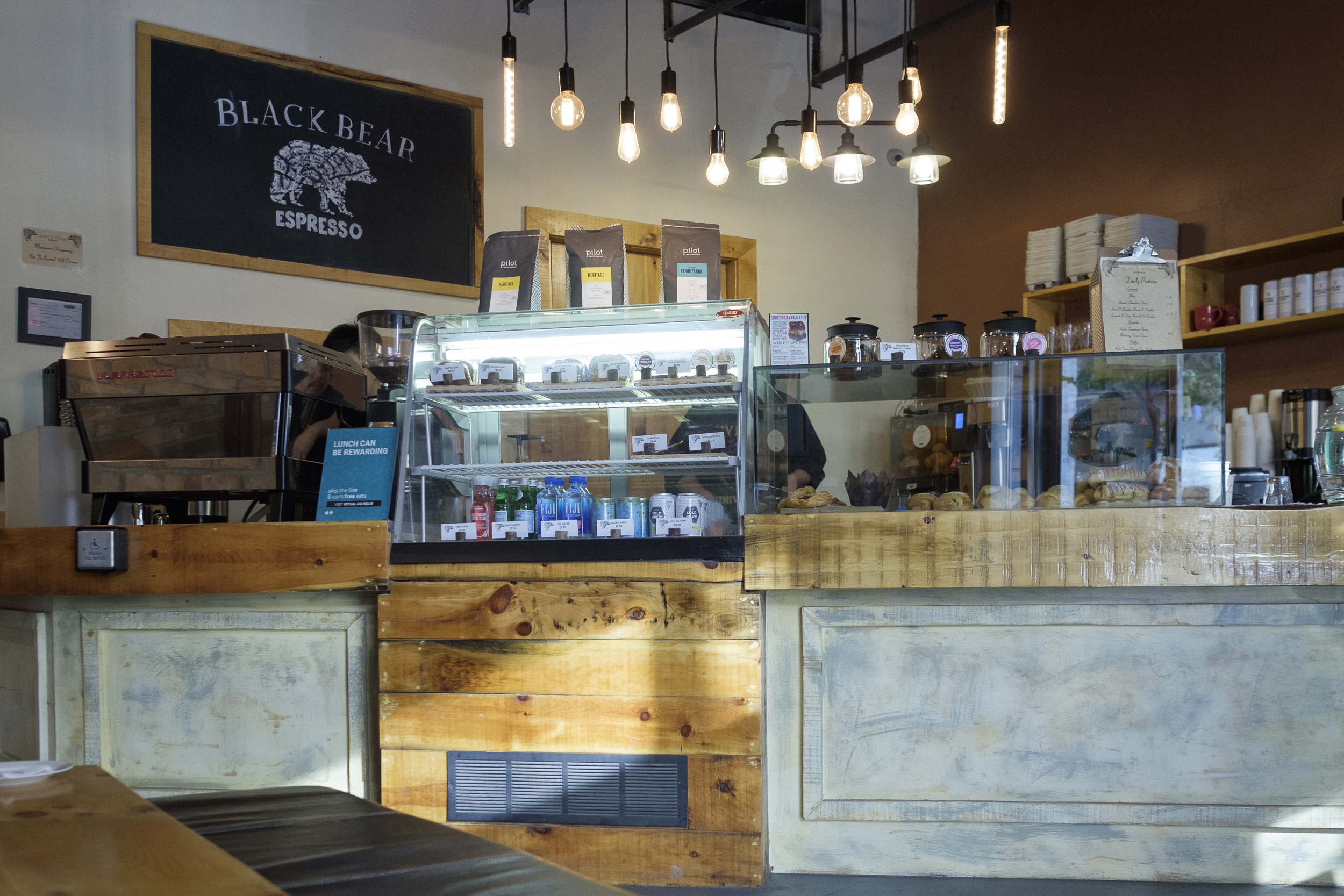 Picture of the main counter were you place your order