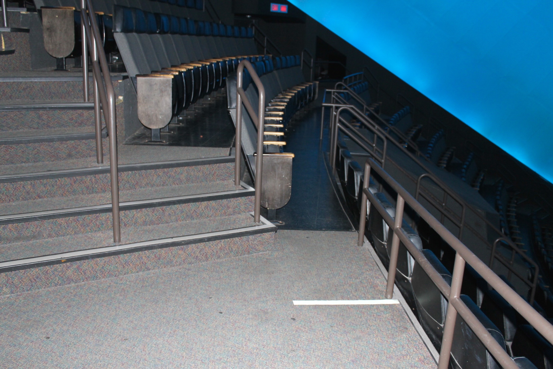 Omnimax Seating