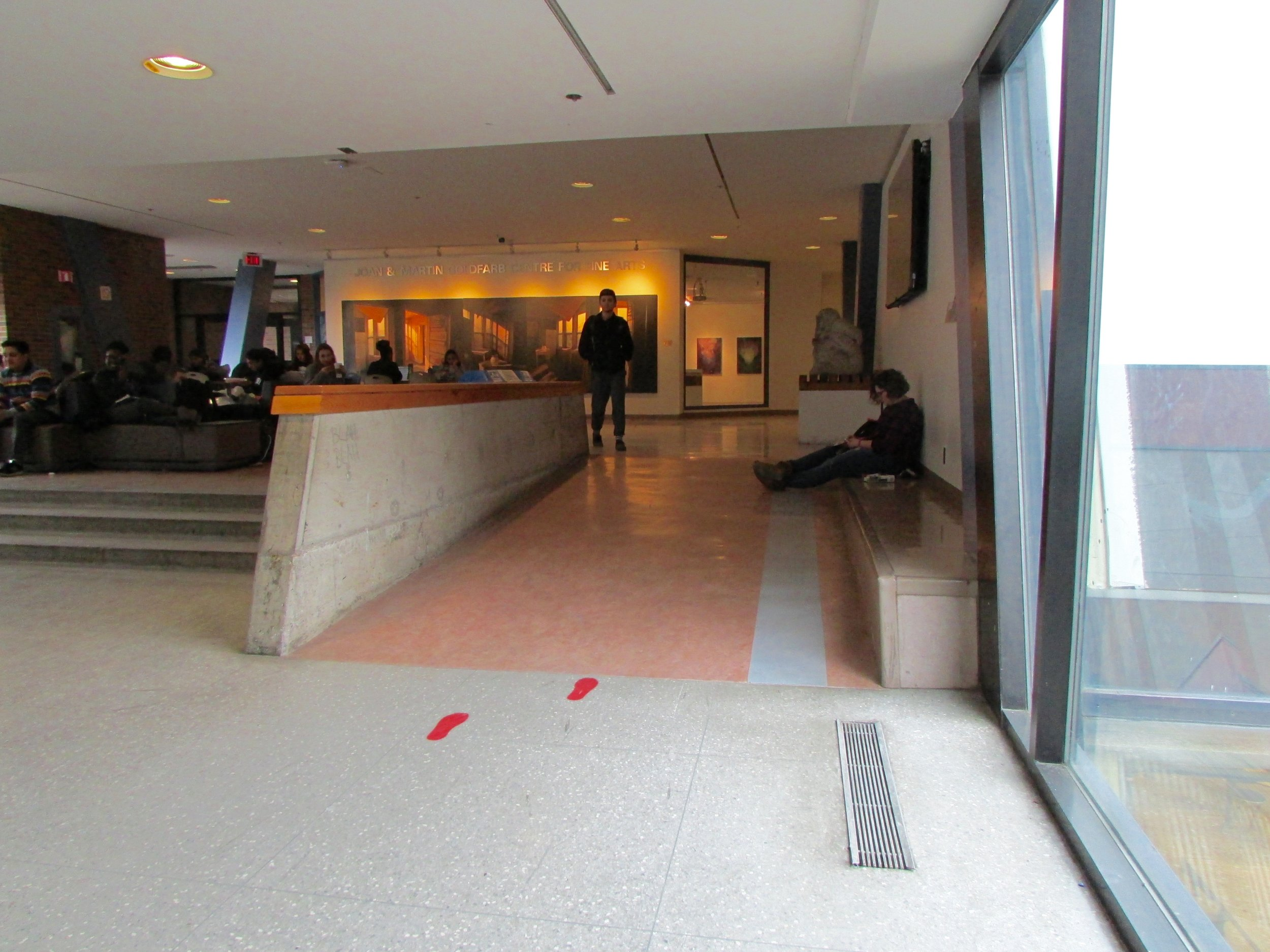 Ramp and route towards the Centre for Fine Arts