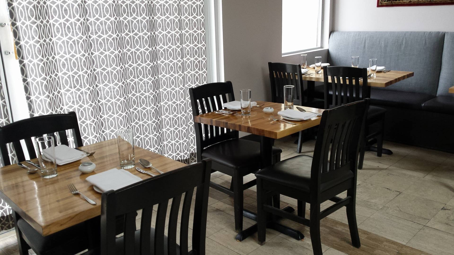 awai seating options in dining room
