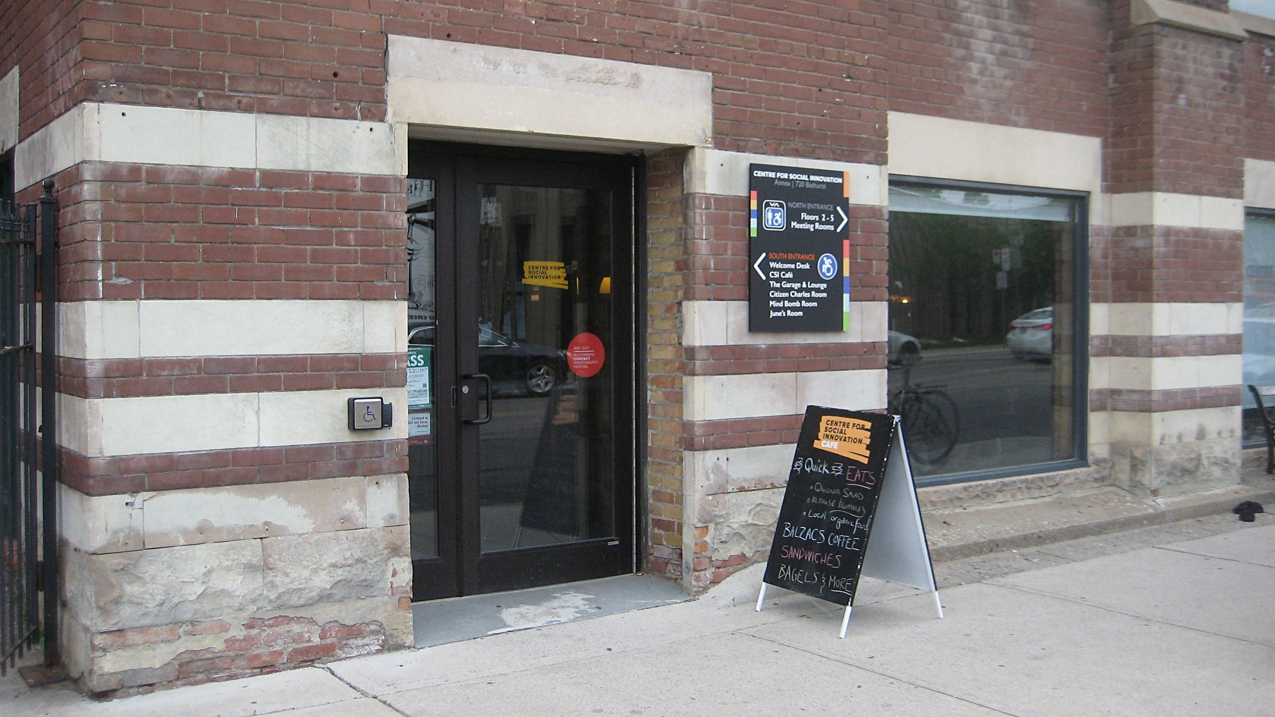 Picture of accessible entrance of the cafe
