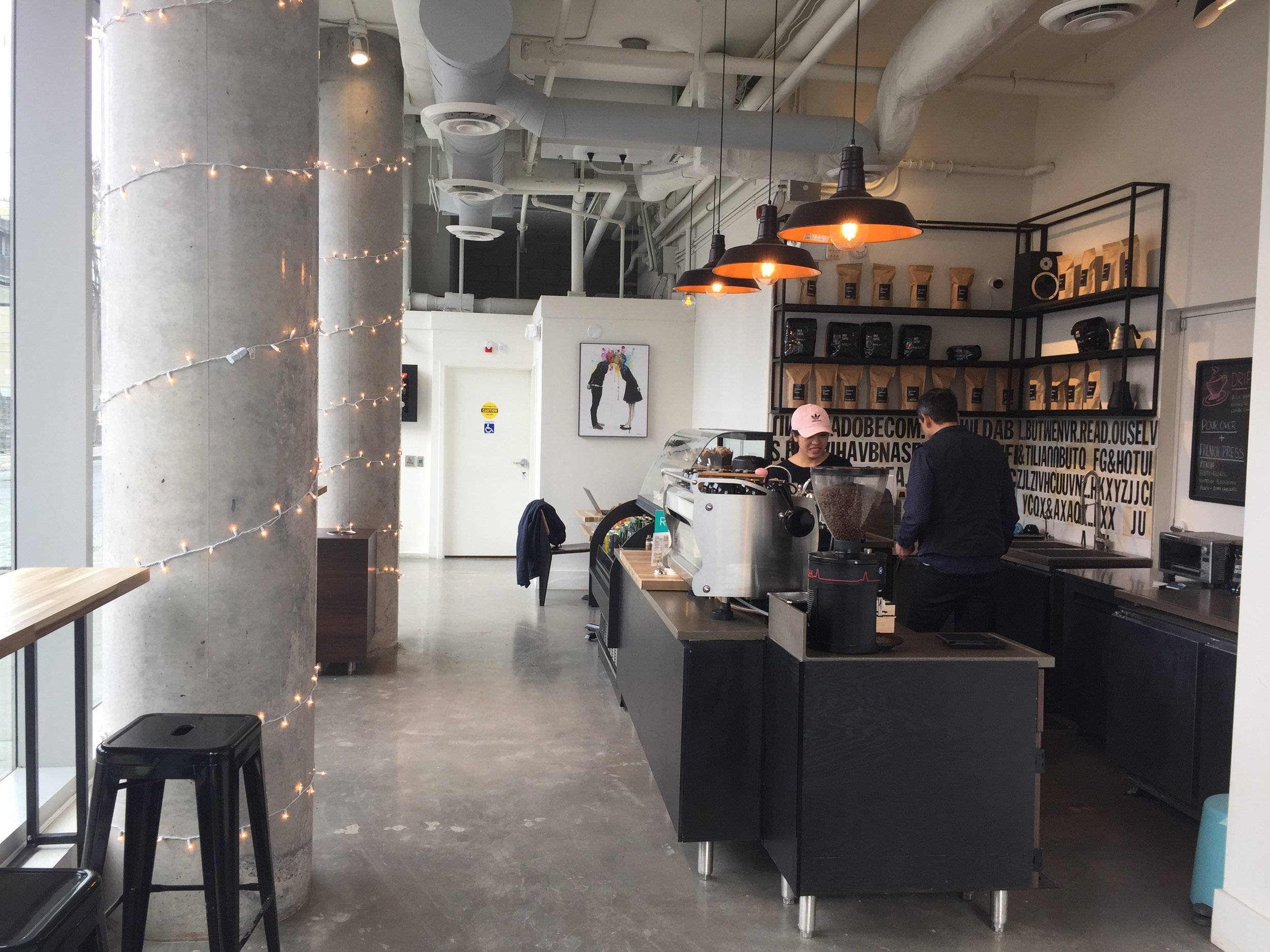 Picture of the accessible interior of Mast Coffee