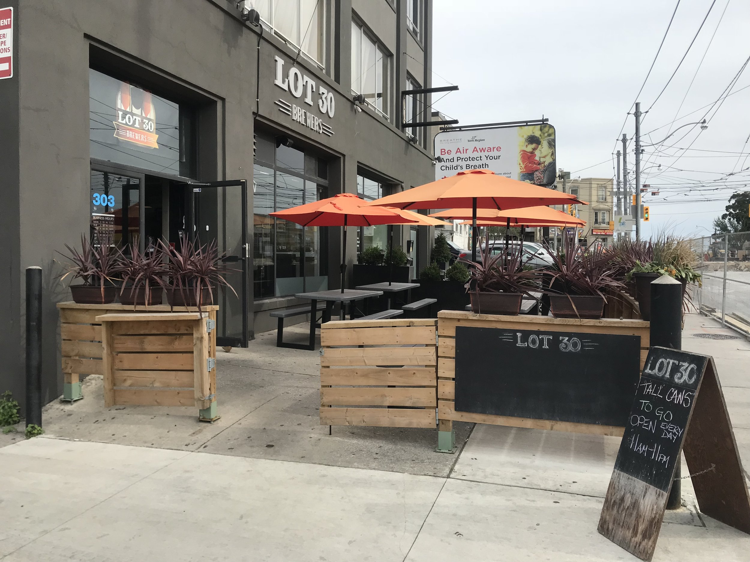 Picture of the patio and entrance to the Lot 30 Brewers