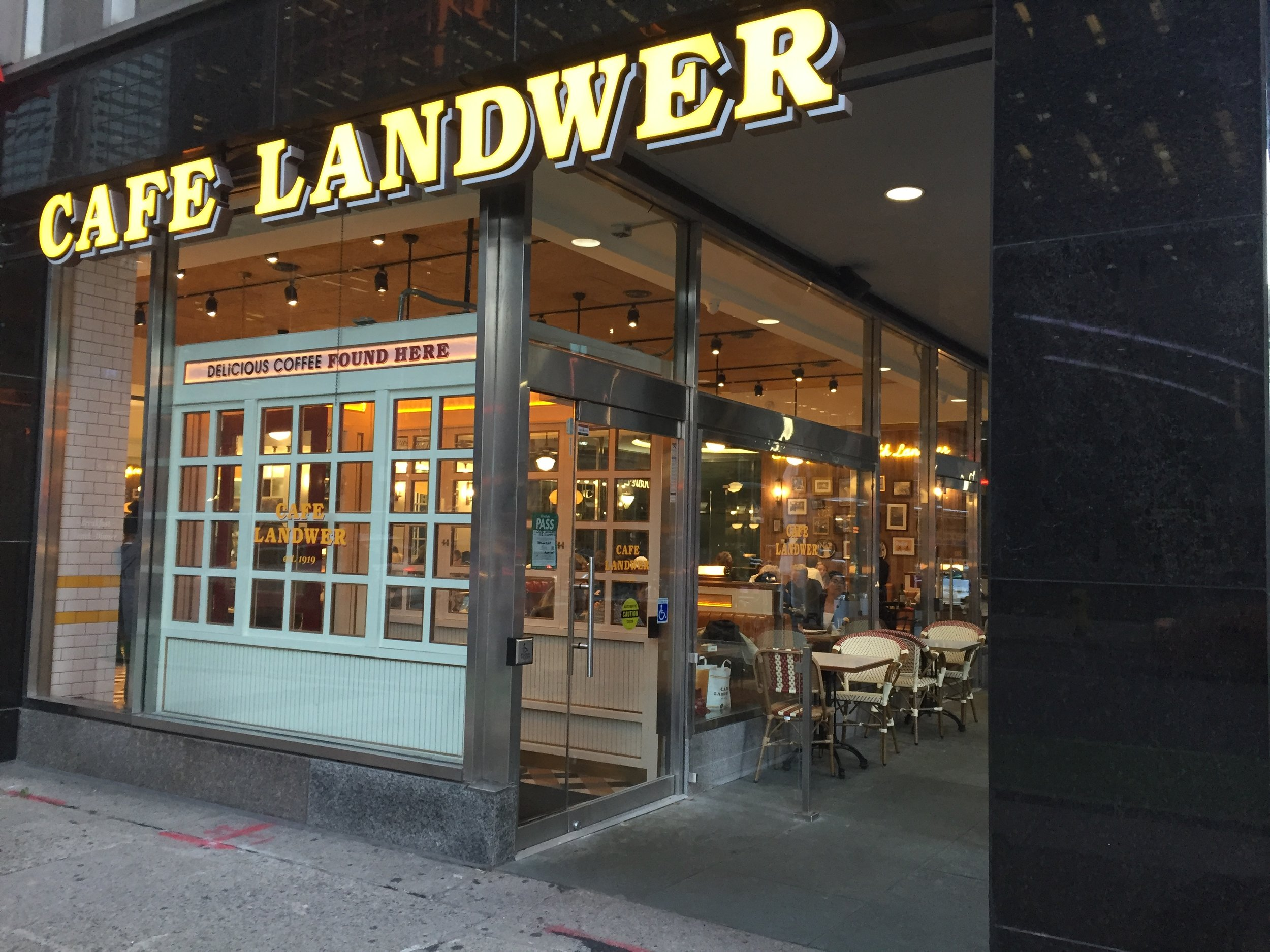 Picture of Cafe Landwer's entrance