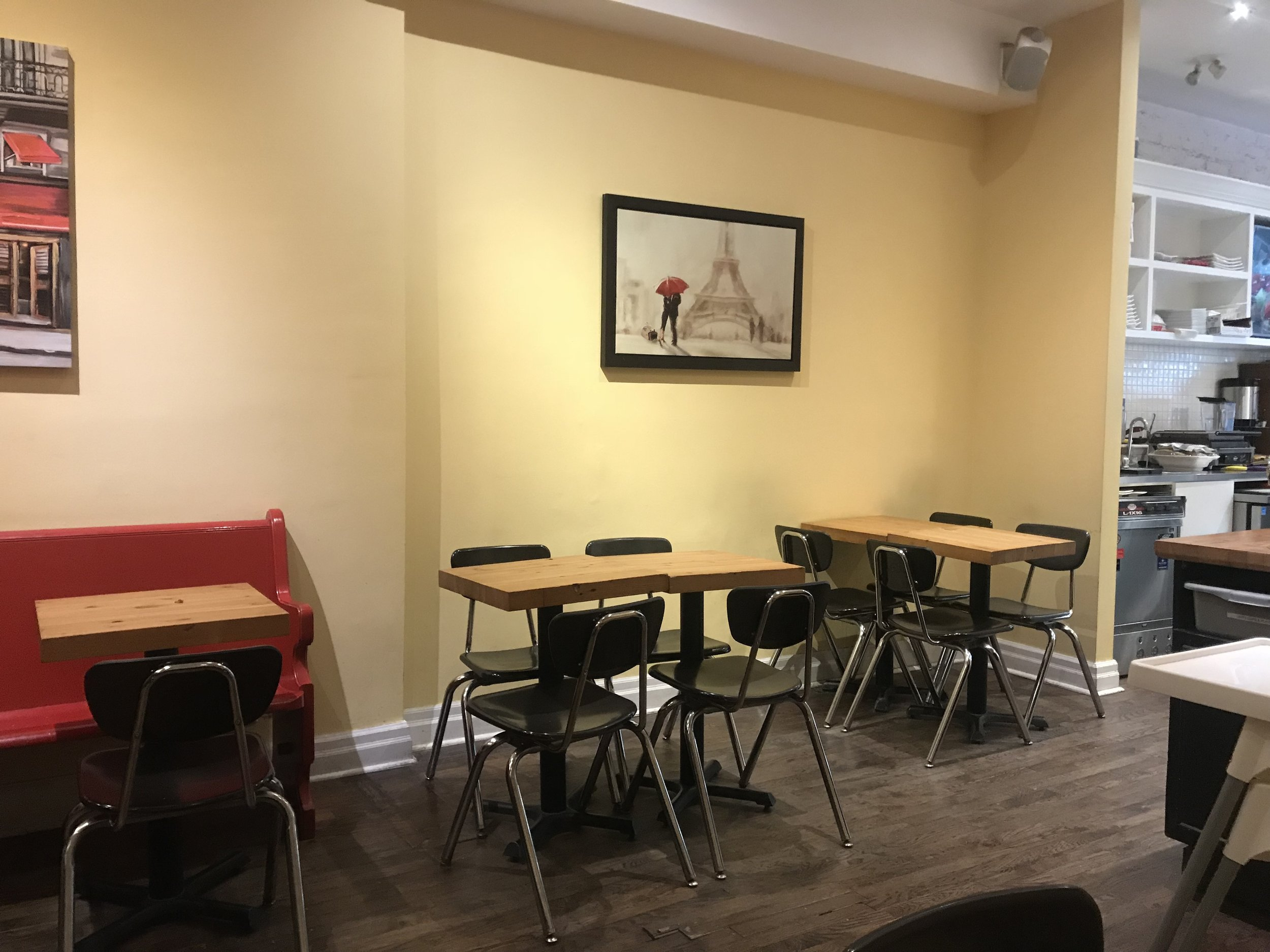 Picture of accessible tables at Bread and Roses