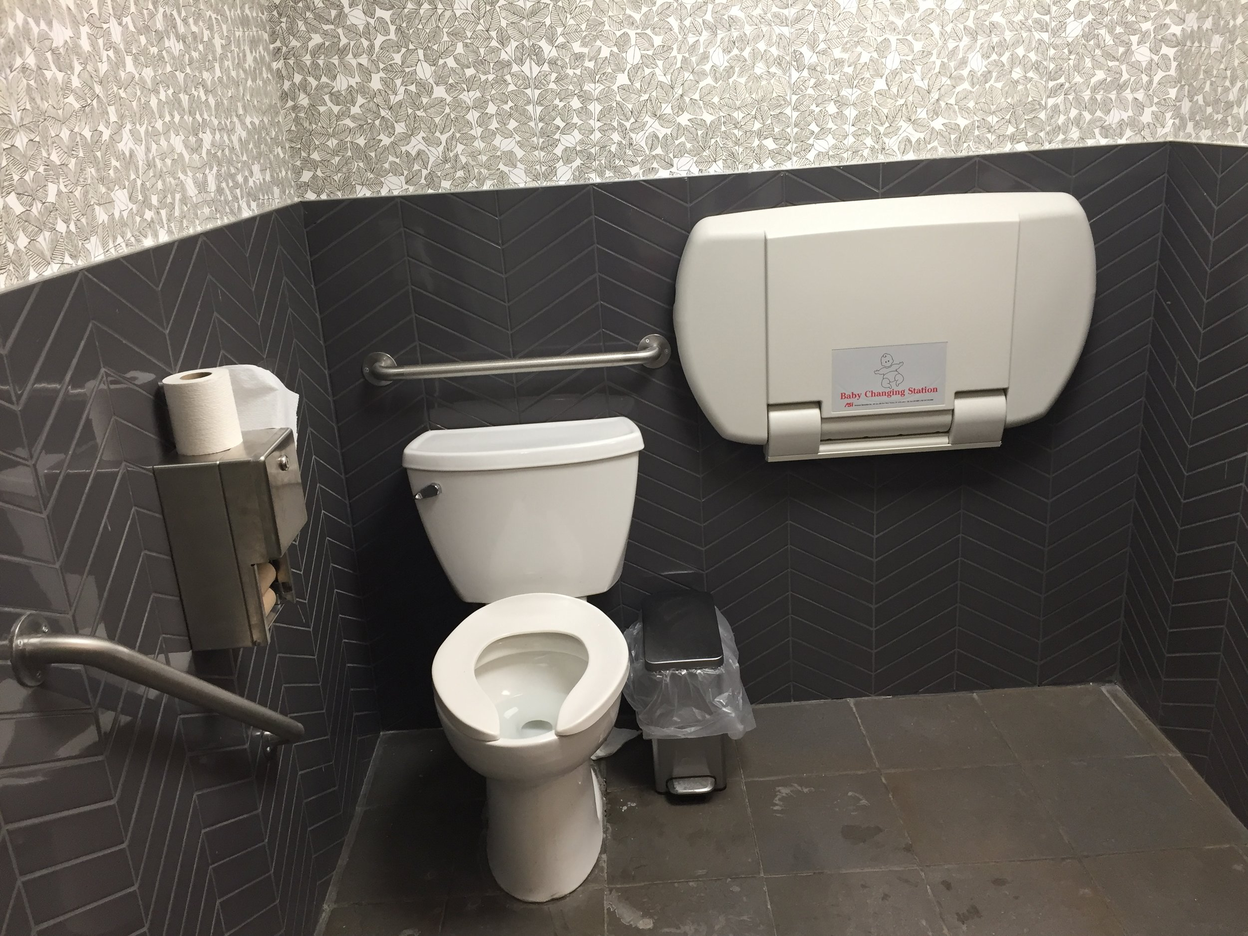 Picture of accessible washroom at Mad Radish