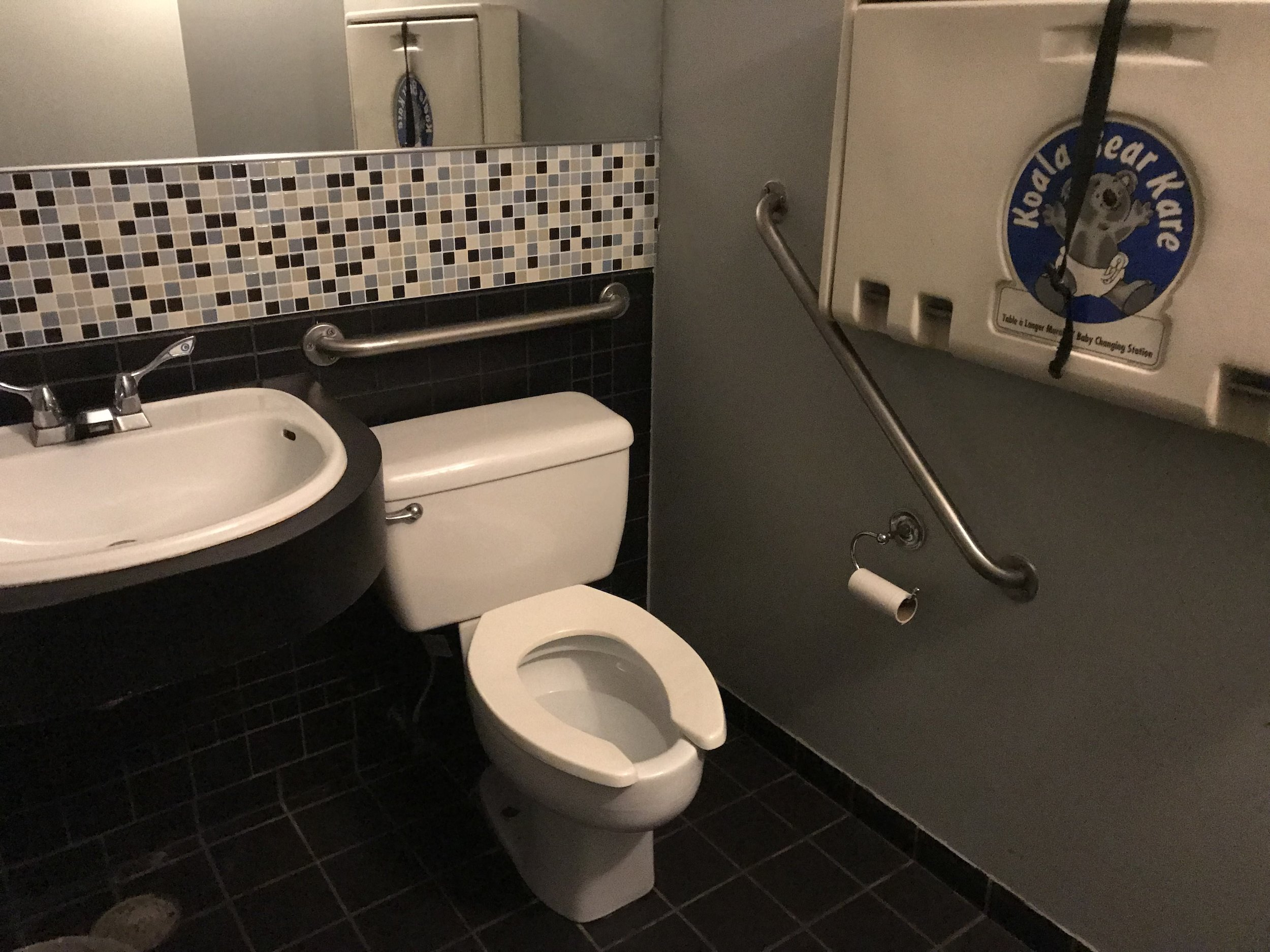 Picture of accessible washroom at Il Fornello