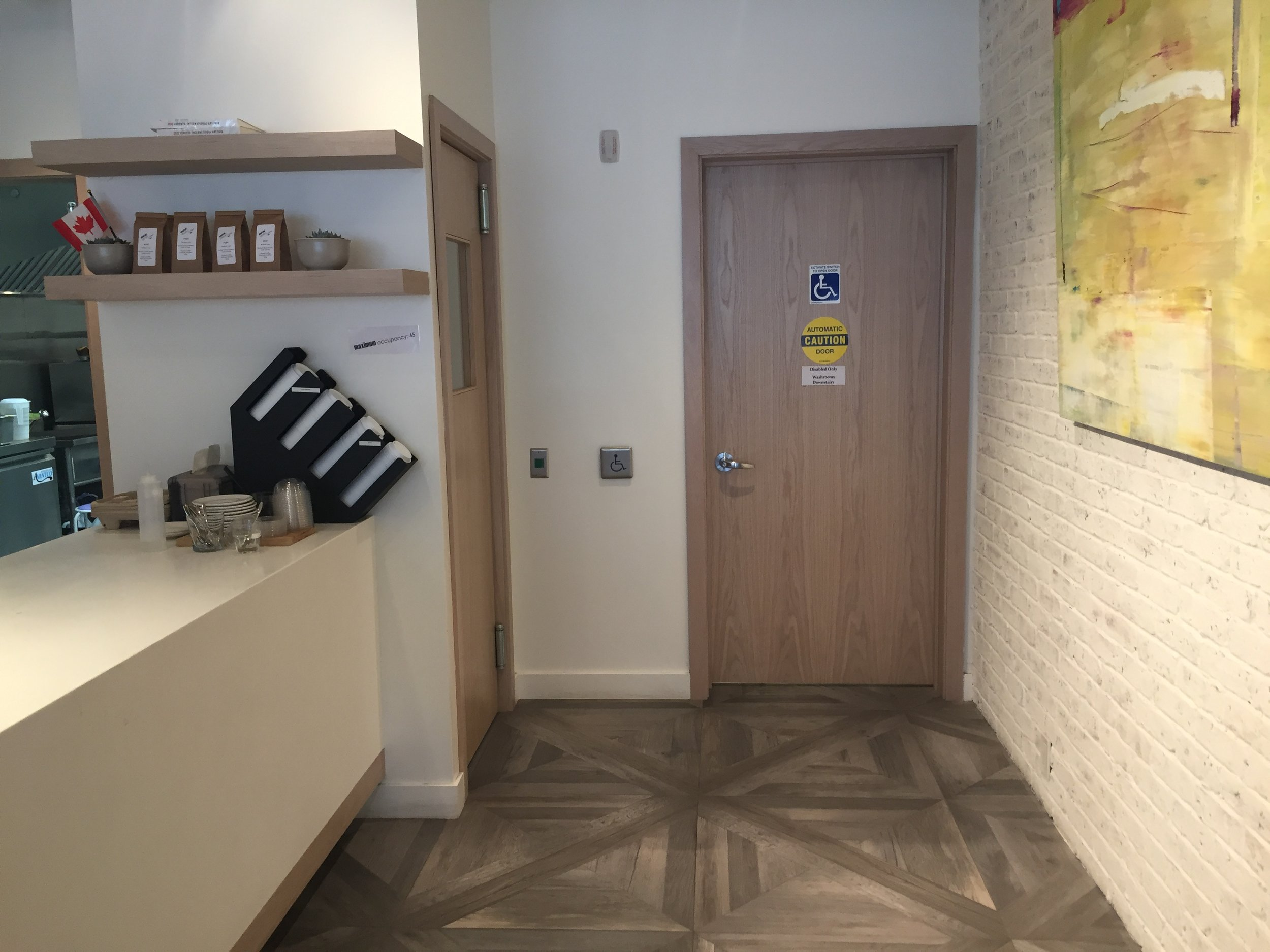 Picture of unobstructed pathway to the accessible washroom