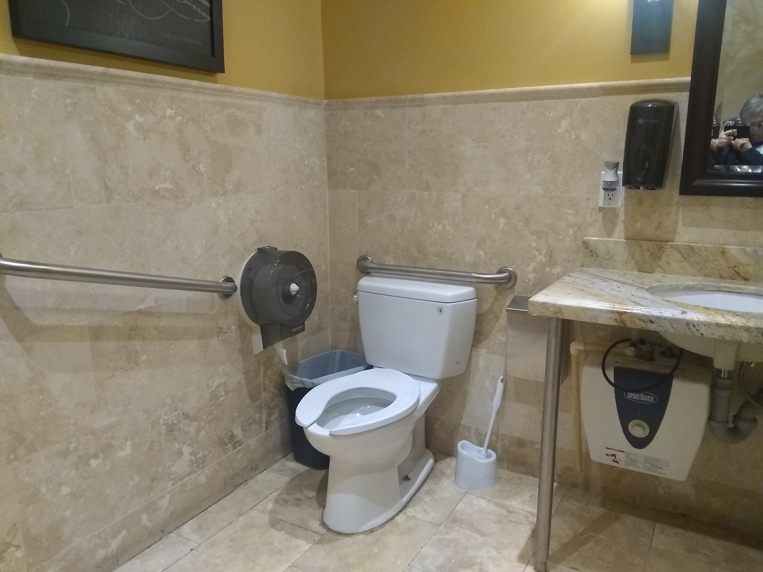 Picture of accessible washroom at Paisano