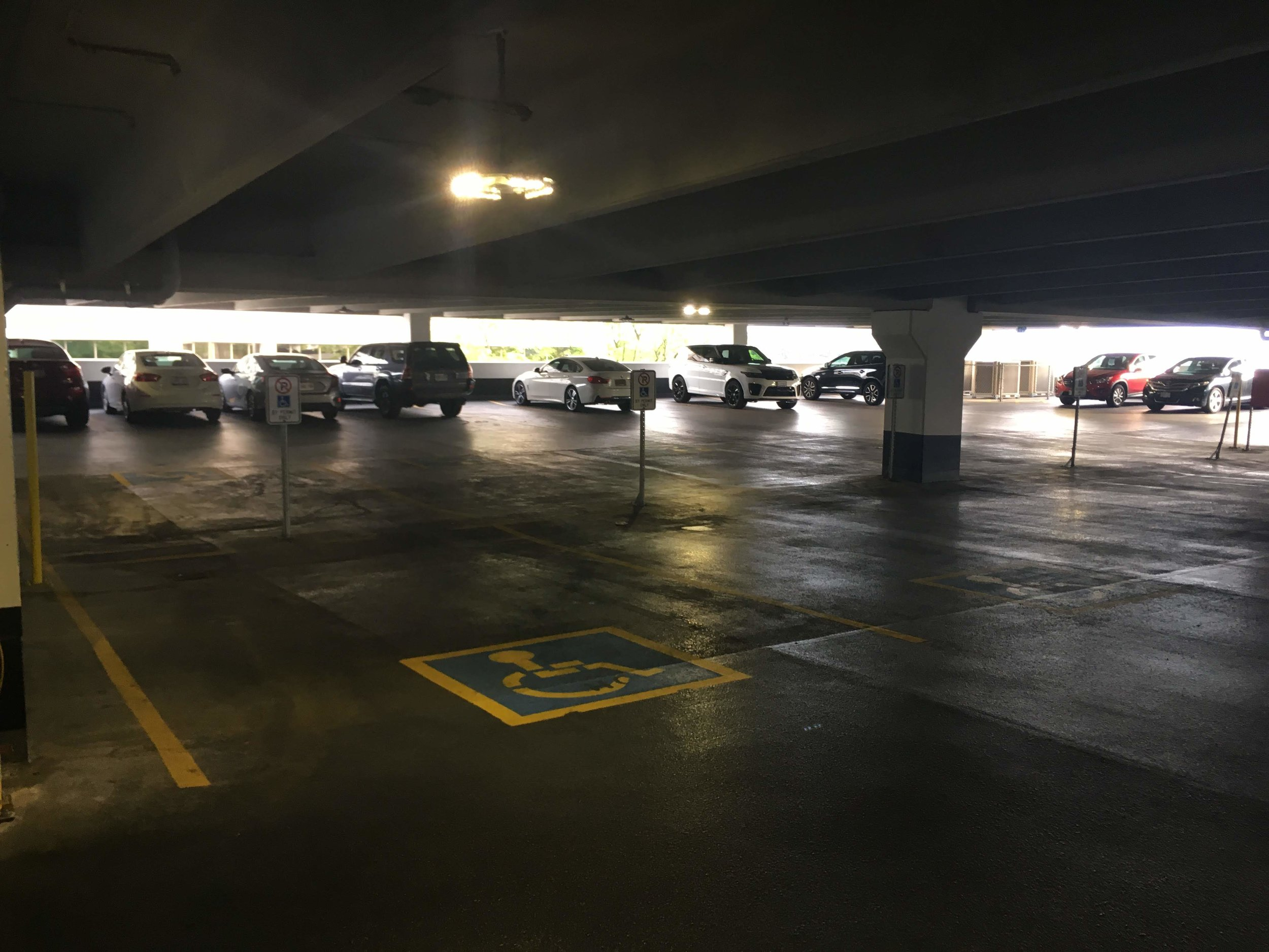 Picture of accessible parking spot at Burgers Park
