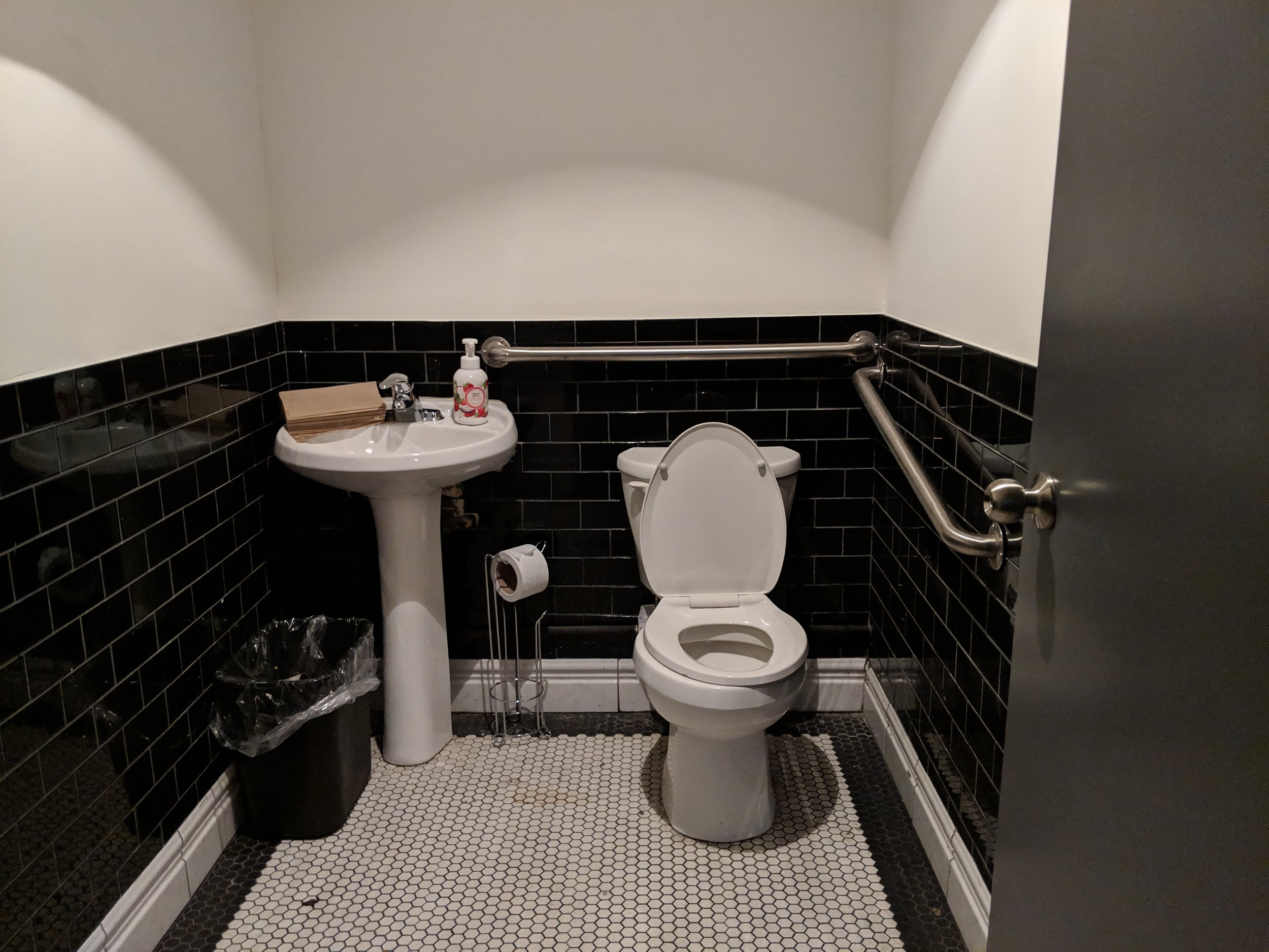Picture of the accessible washroom at Miss Thing's