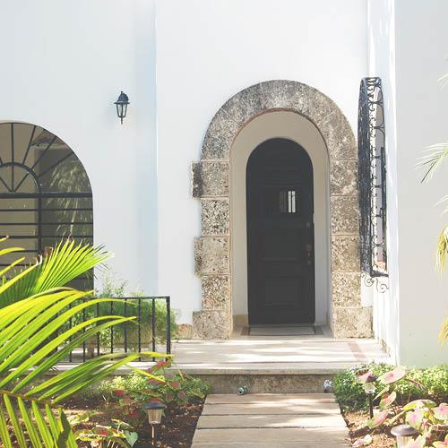 Sarah_Scales_Design_Studio_Travels_Cuba_Havana_Miramar_23.jpg