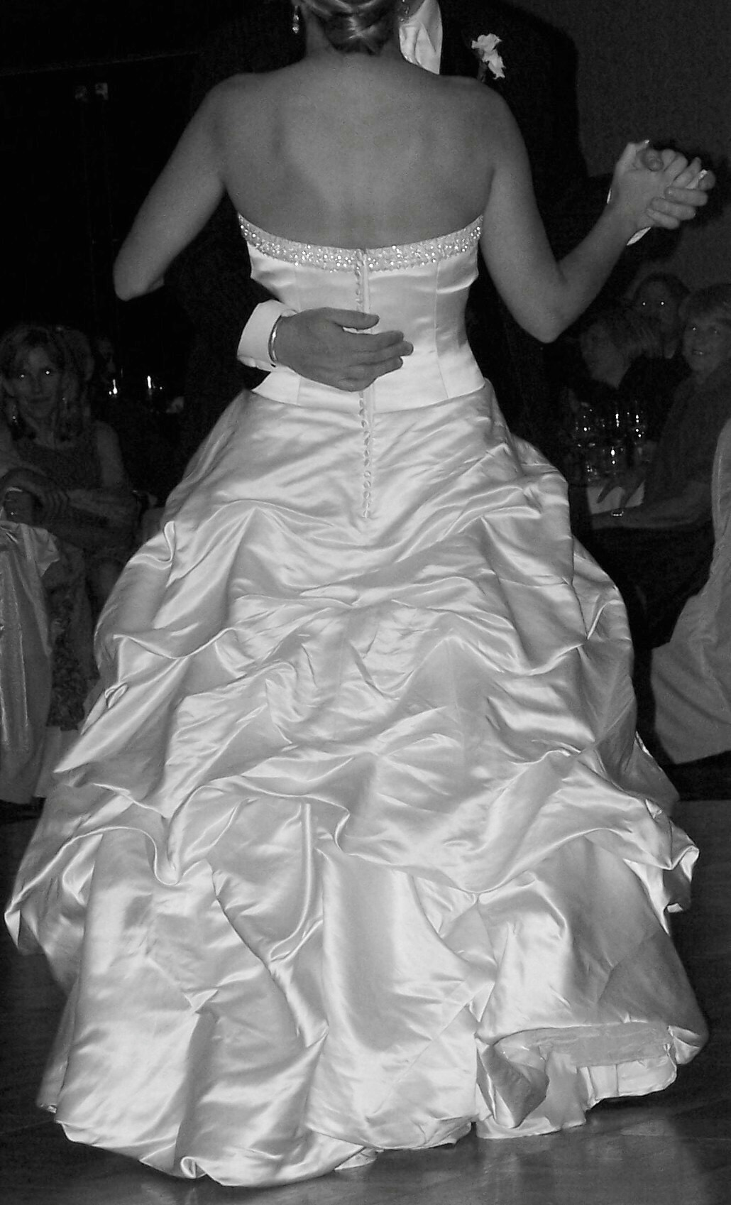 Allison & James' first dance at 7:53pm on September 15, 2007 (digital photo embeds it LOL)