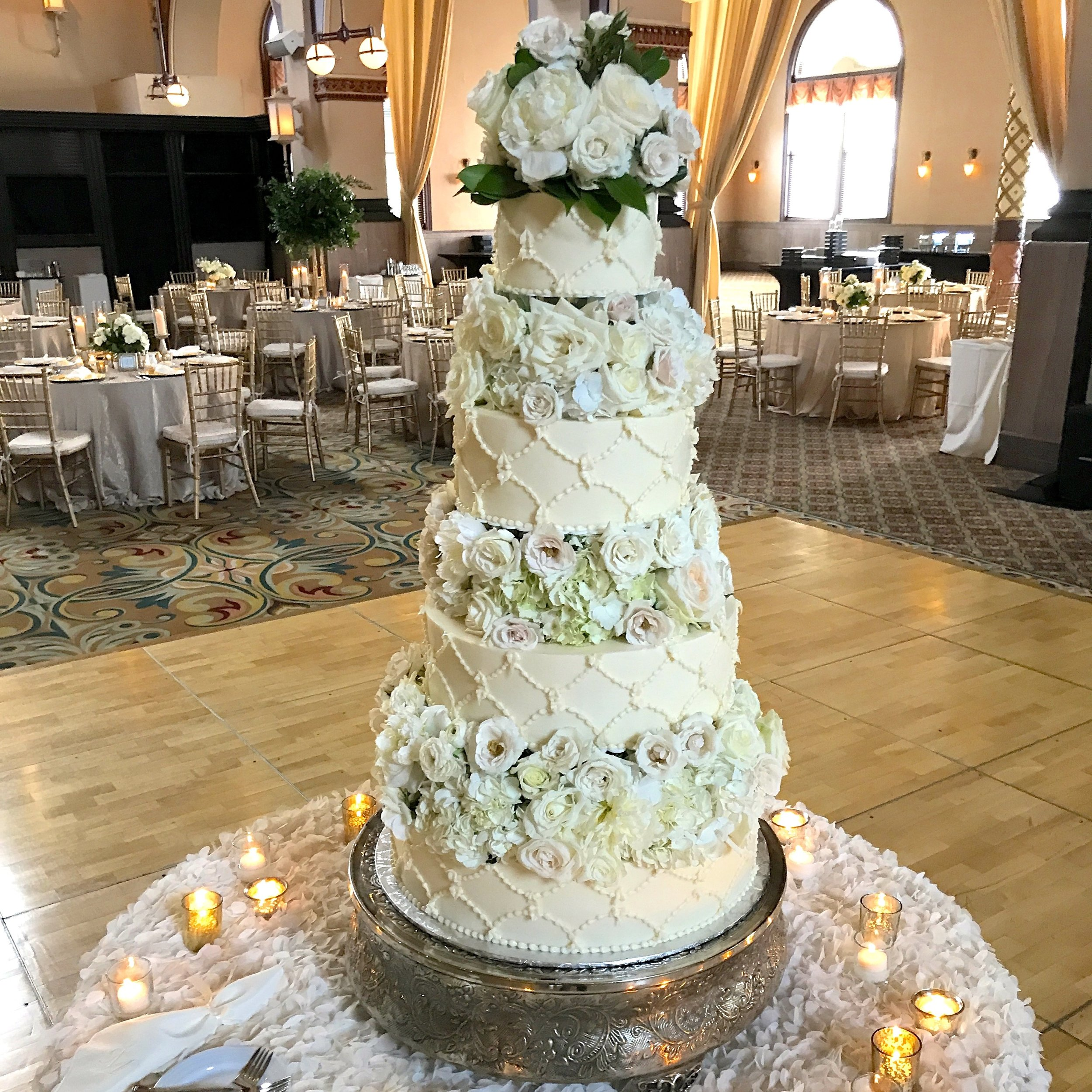 I know, right? Cake by  Heavenly Sweets , Floral by Alan Thompson,  McNamara Carmel