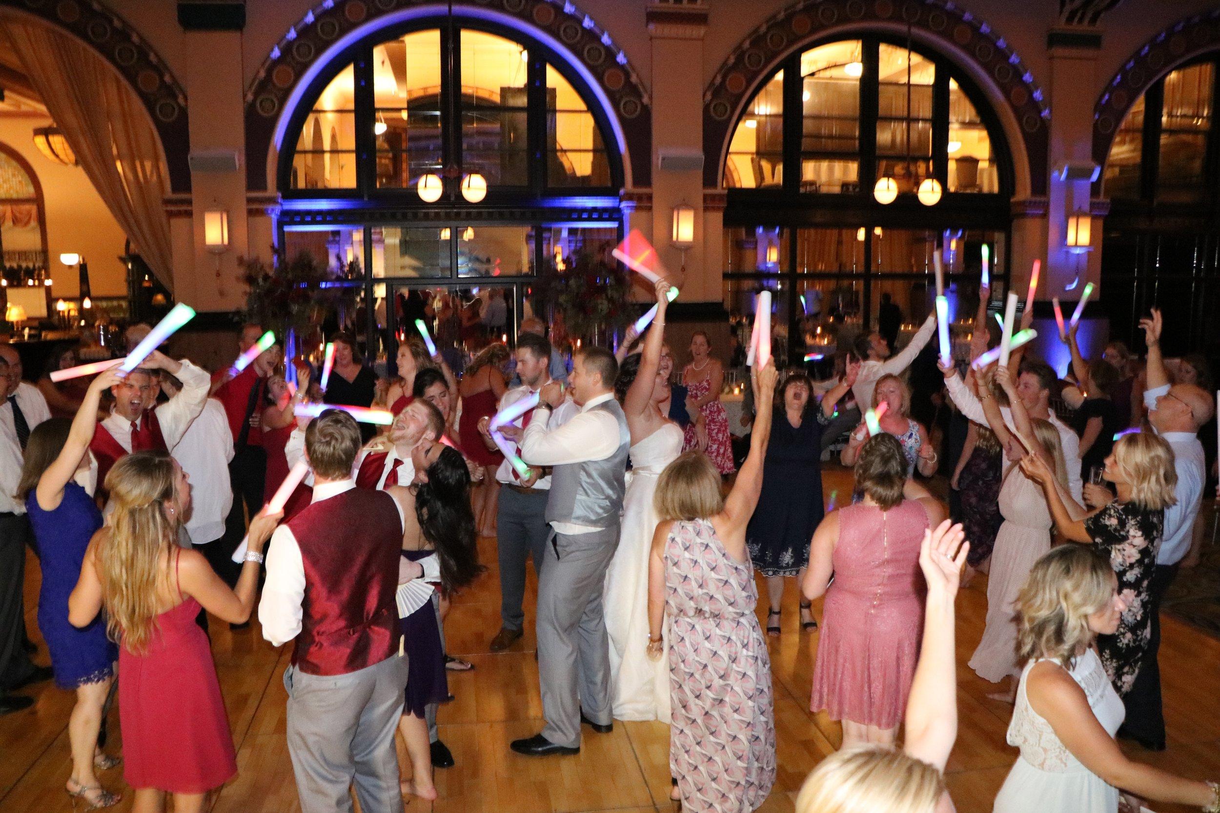 Diana & Nick led the fun on the dance floor all night!