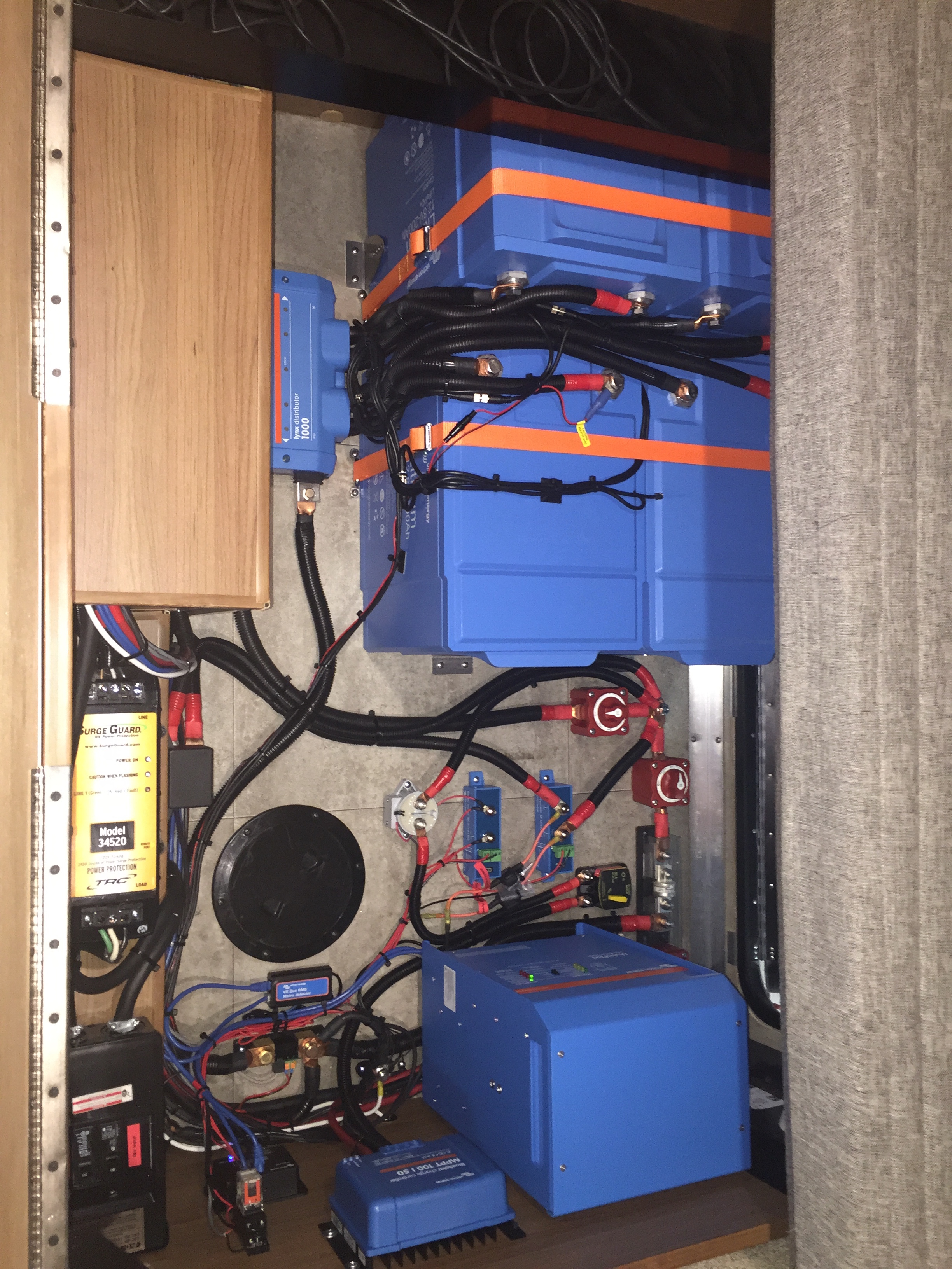 800Ah Victron Lithium System