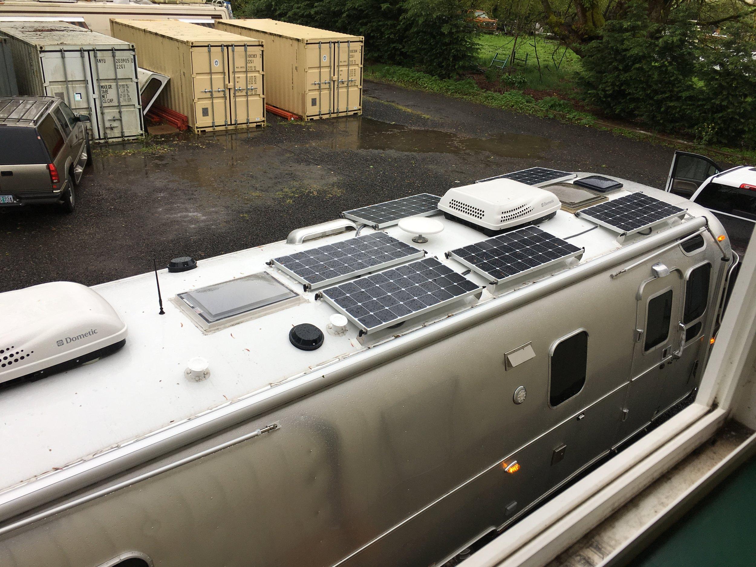 600W of solar panels