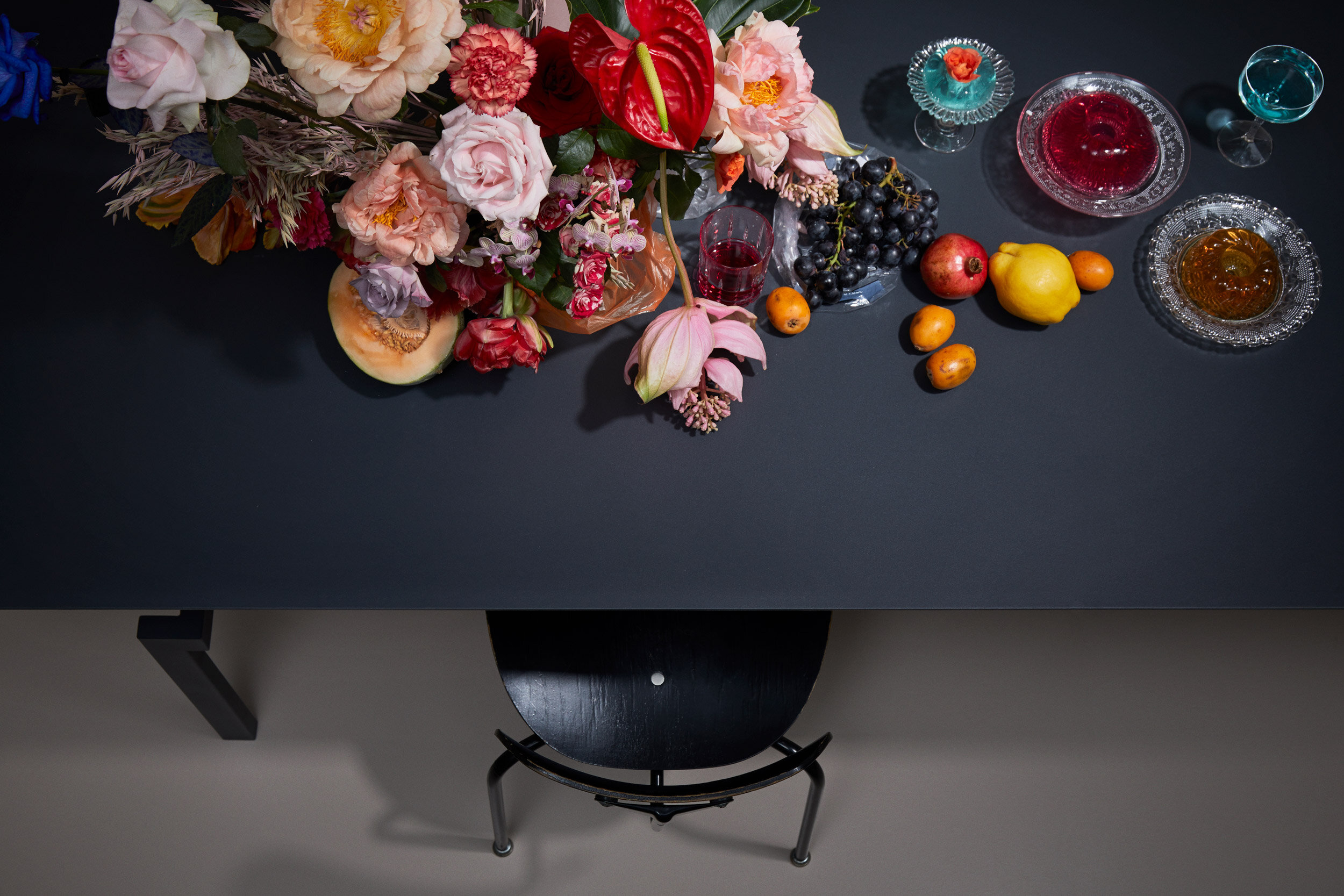 MD_Studio-Pascal-Howe_Covered-Identity---Dining-Table_RAL7021_18_web.jpg