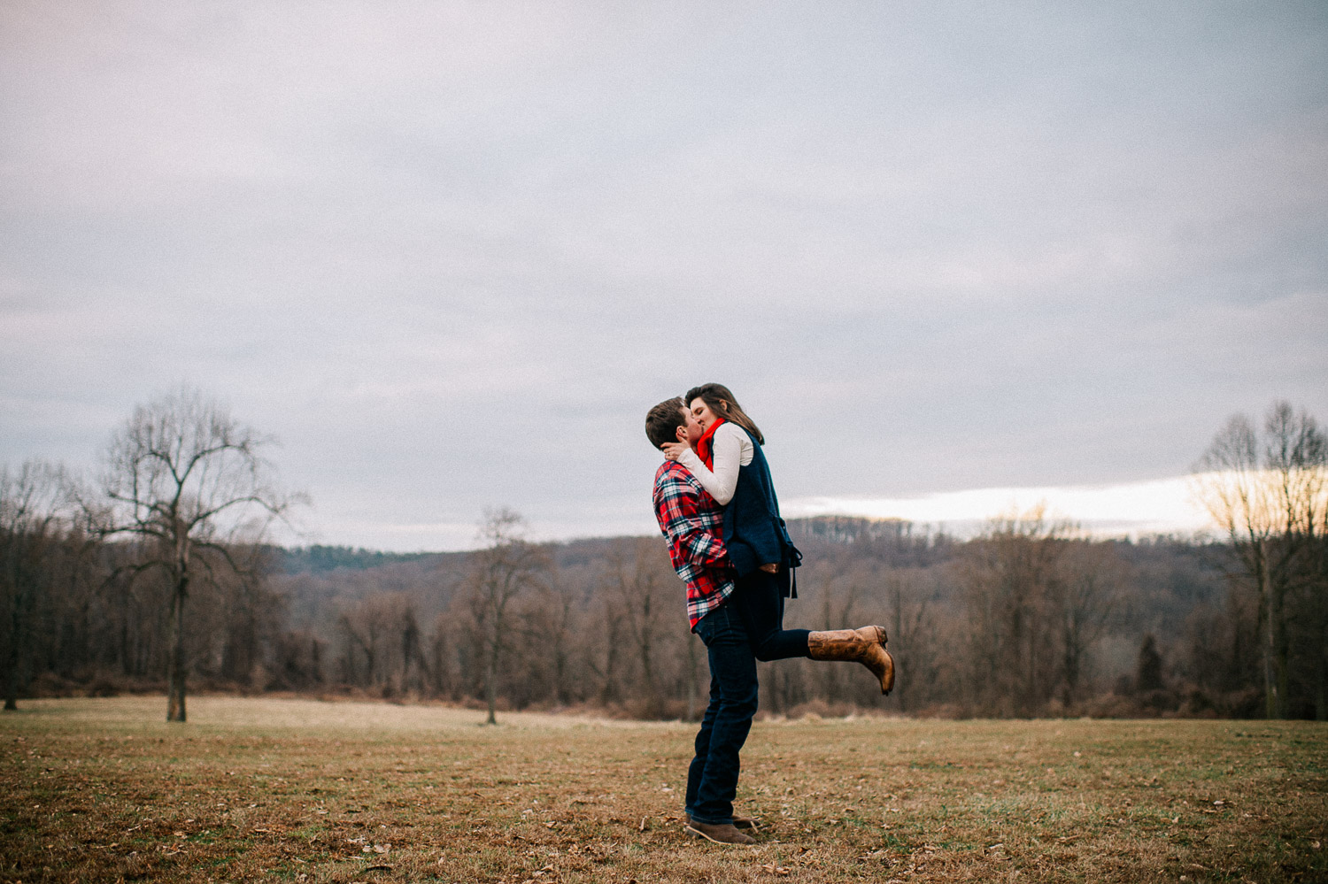 ninalilyphoto-hiddenvalleyfarm-engagement33.jpg